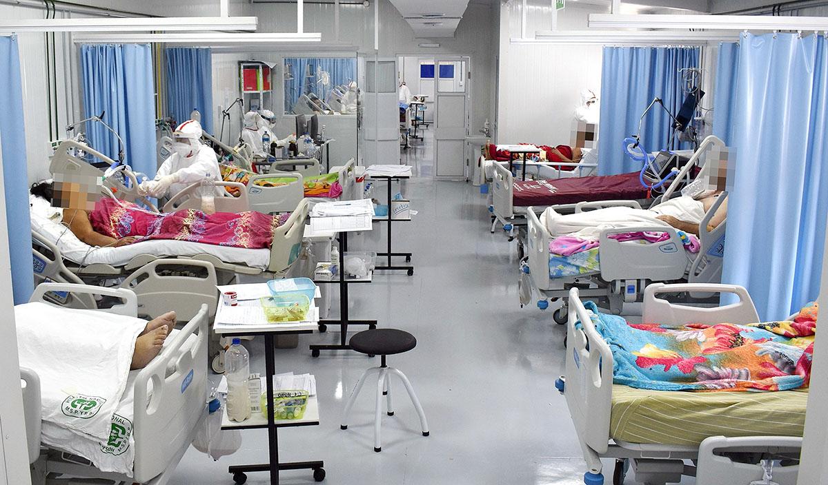 En el Hospital Nacional de Itauguá ayer solo quedaban cinco camas de terapia intensiva.