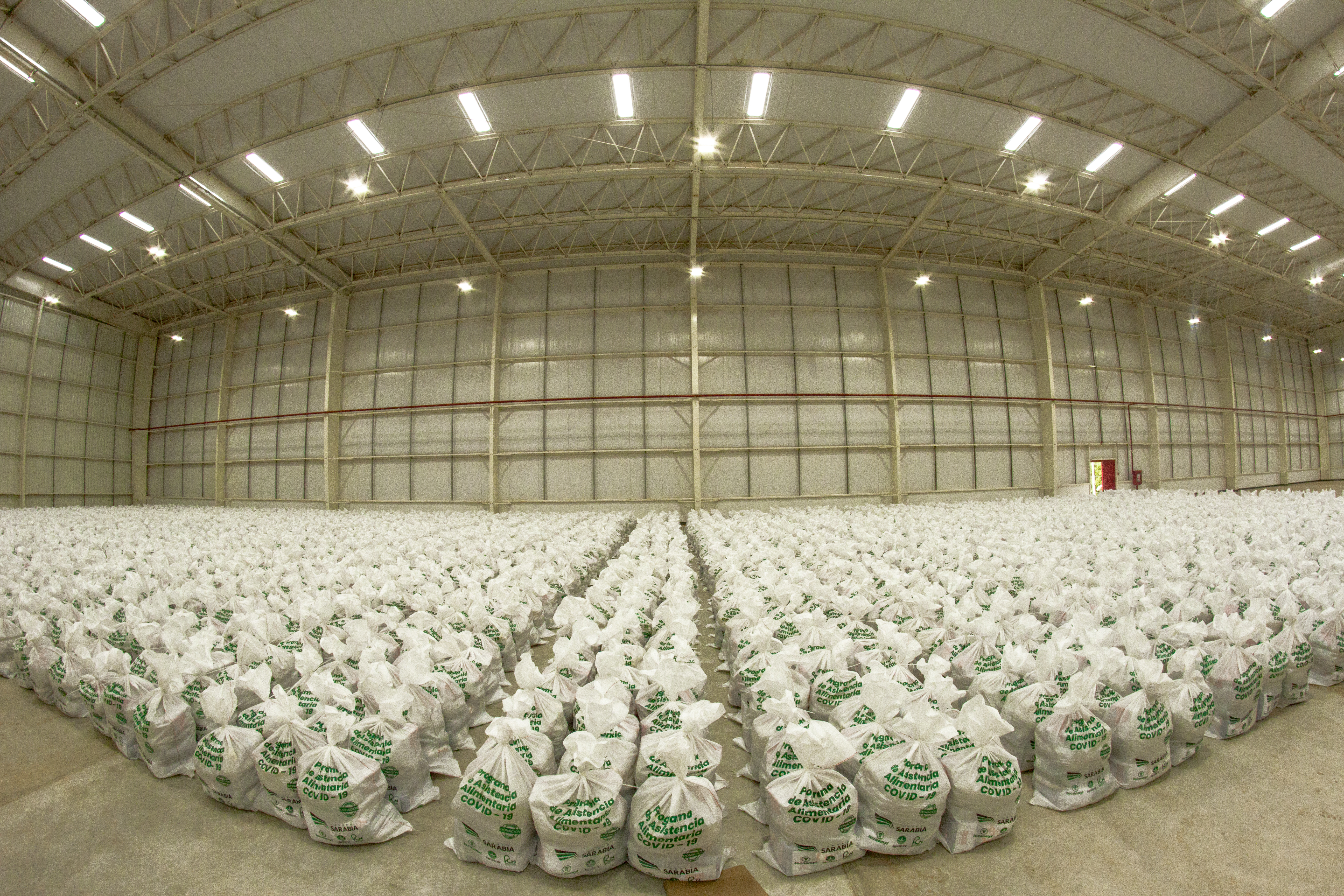 El Grupo Sarabia hizo una donación de cinco mil kits de alimentos.