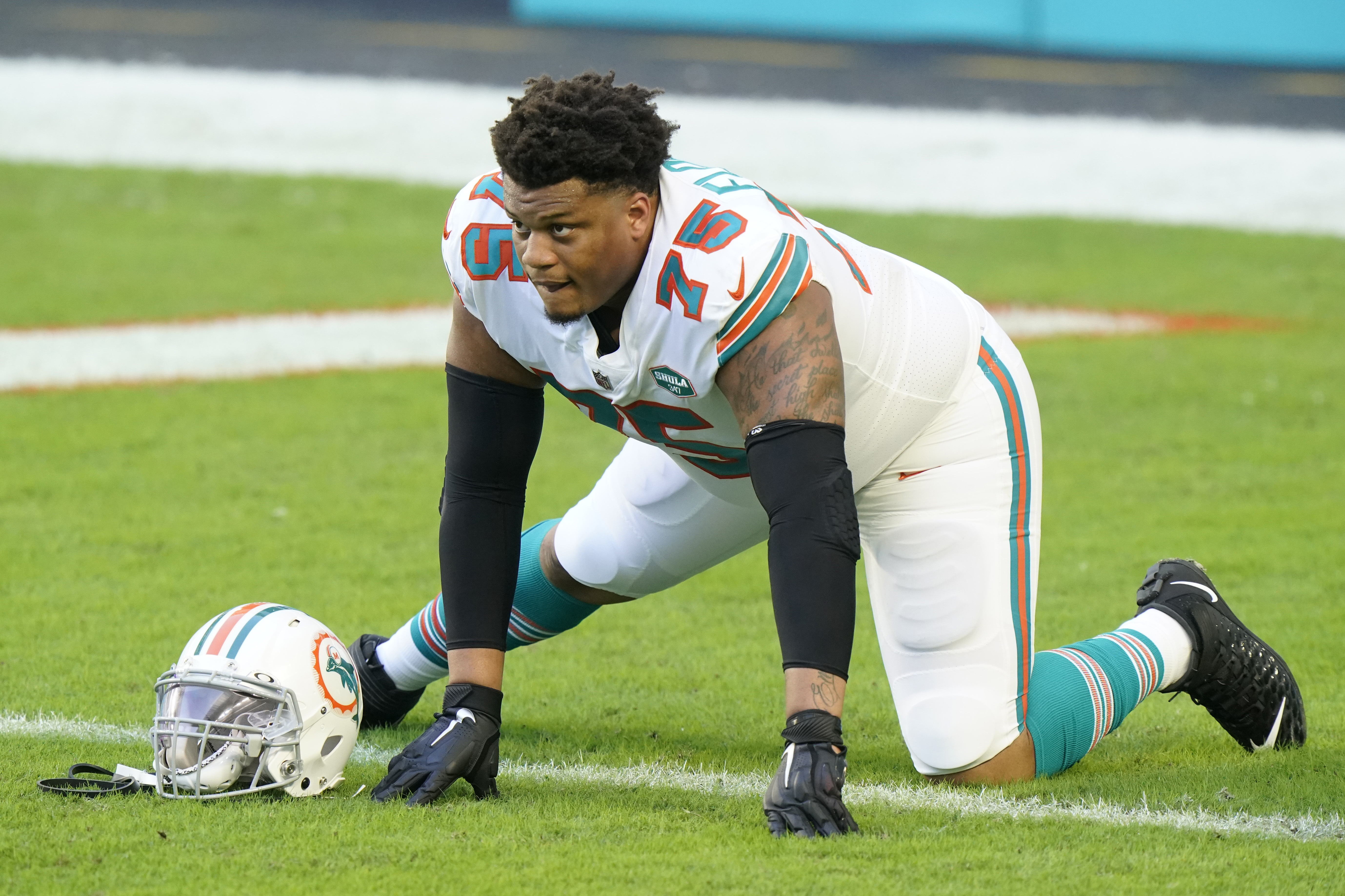 NFL rumors: Dolphins trade ex-Giants tackle Ereck Flowers to ...