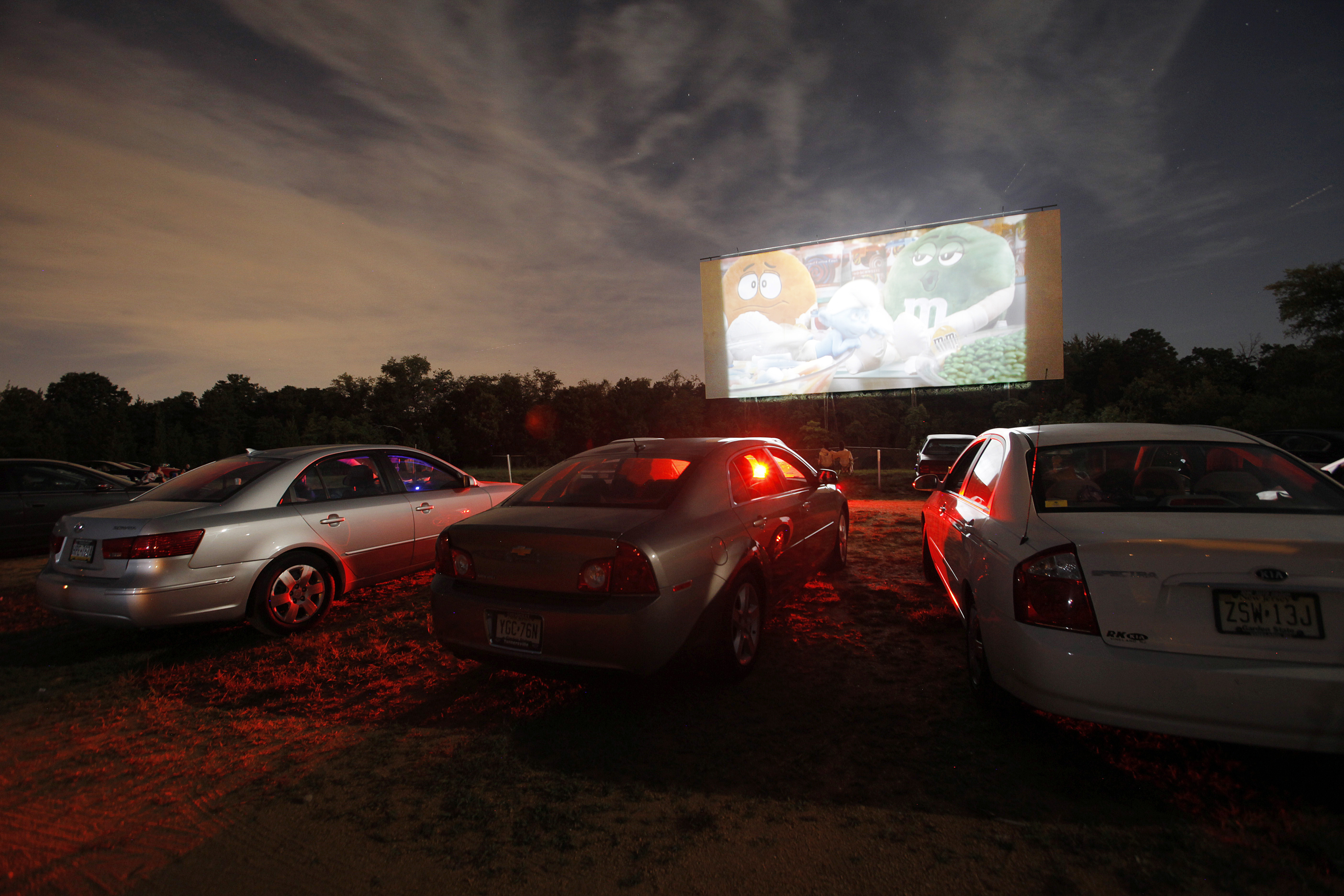 N J S Lone Drive In Movie Theater Preparing To Reopen Next Week With Some Restrictions Nj Com