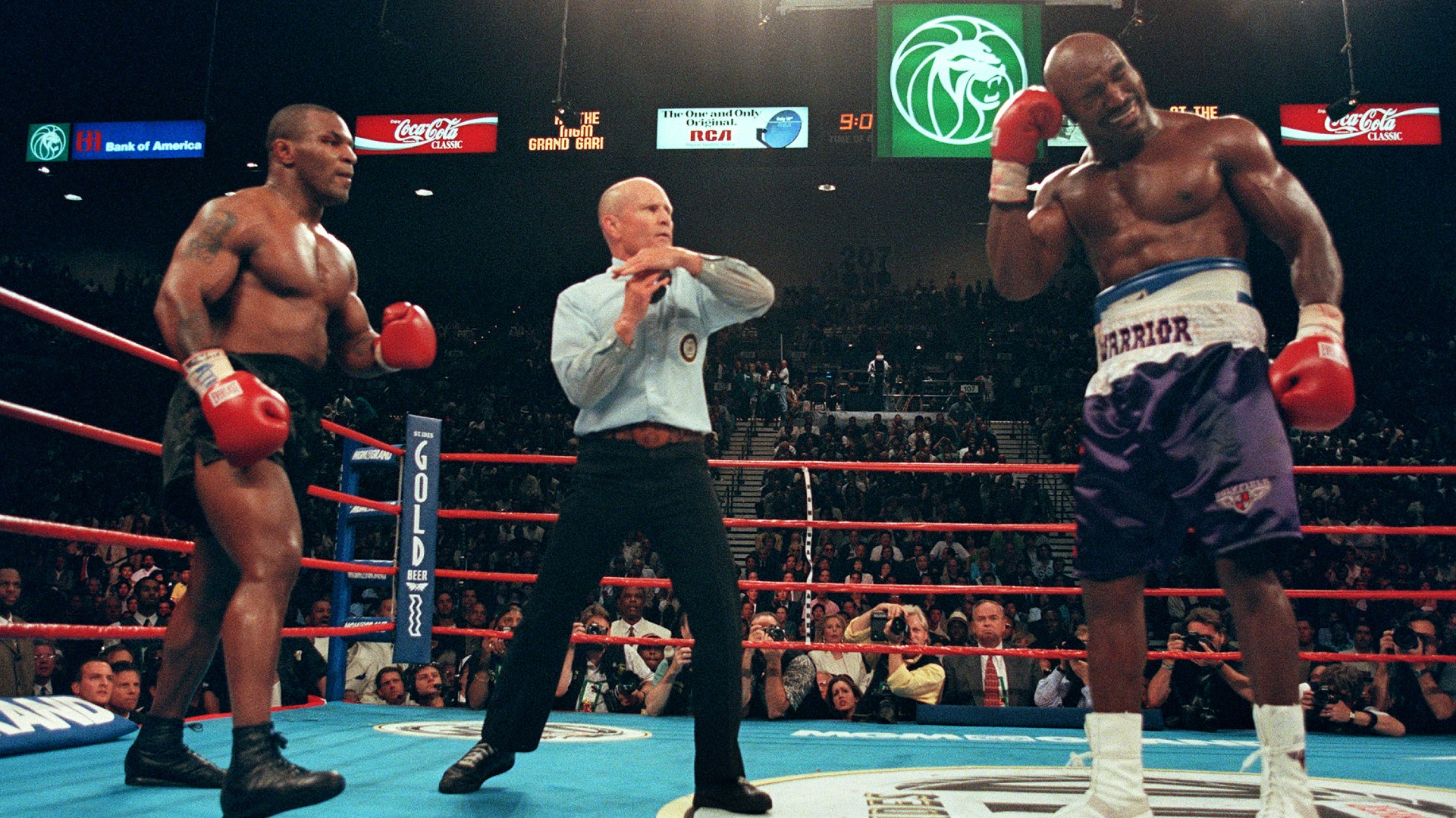 Evander Holyfield will fight Mike Tyson for 3rd time