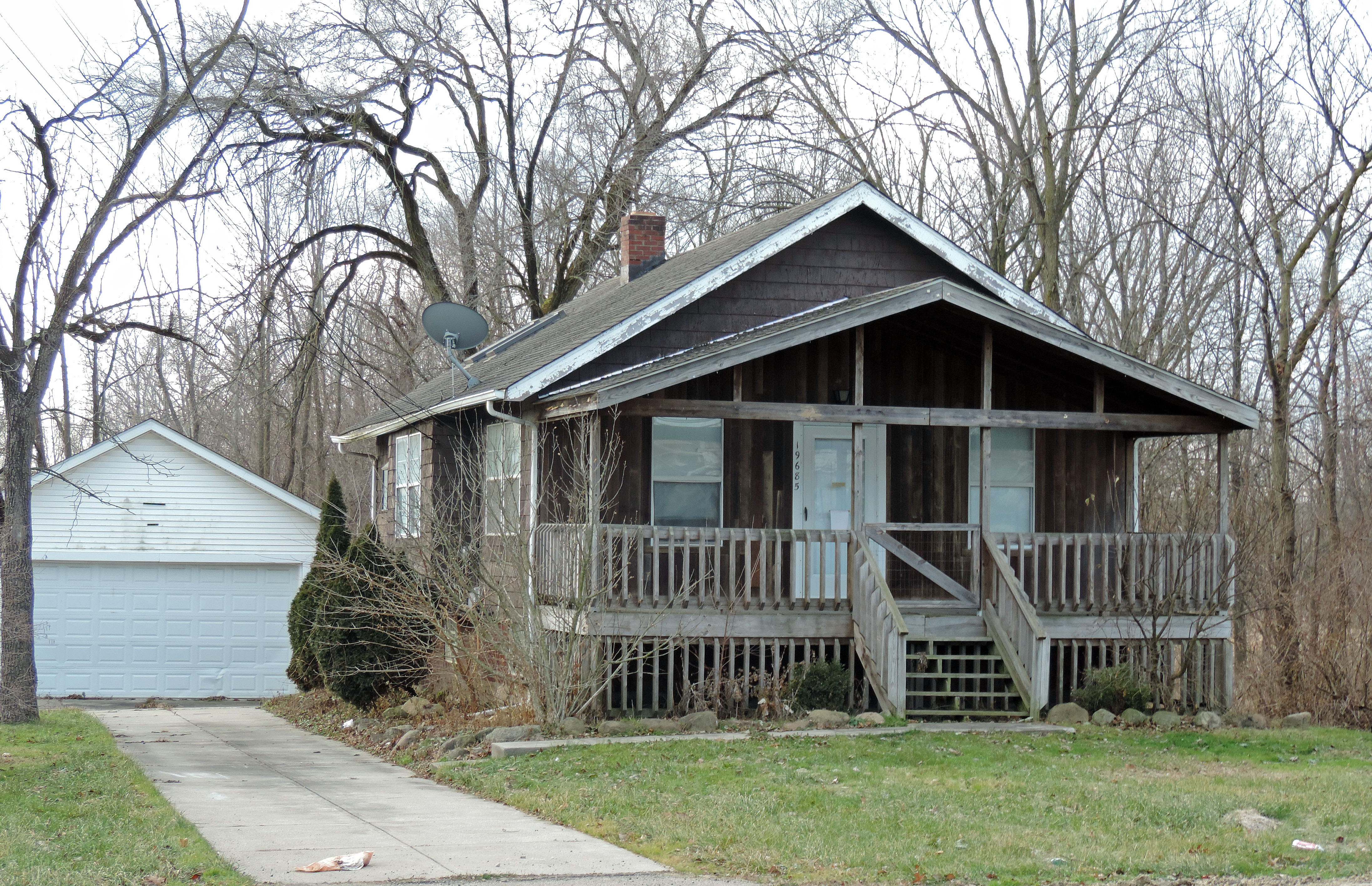 three middleburg heights nuisance homes finally face demolition cleveland com three middleburg heights nuisance homes