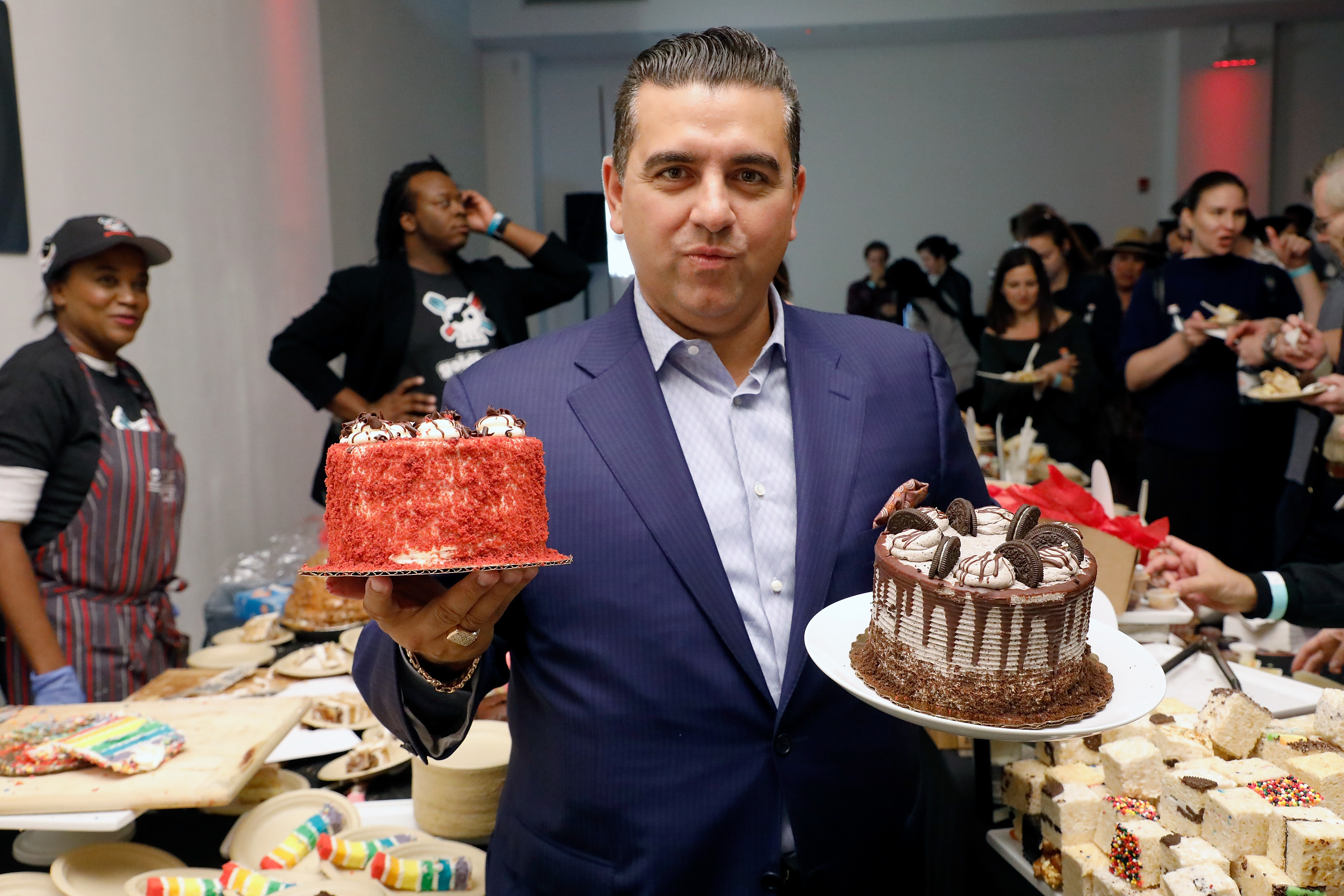 Cake Boss' Buddy Valastro recovering after 'terrible' bowling accident  impales hand - nj.com