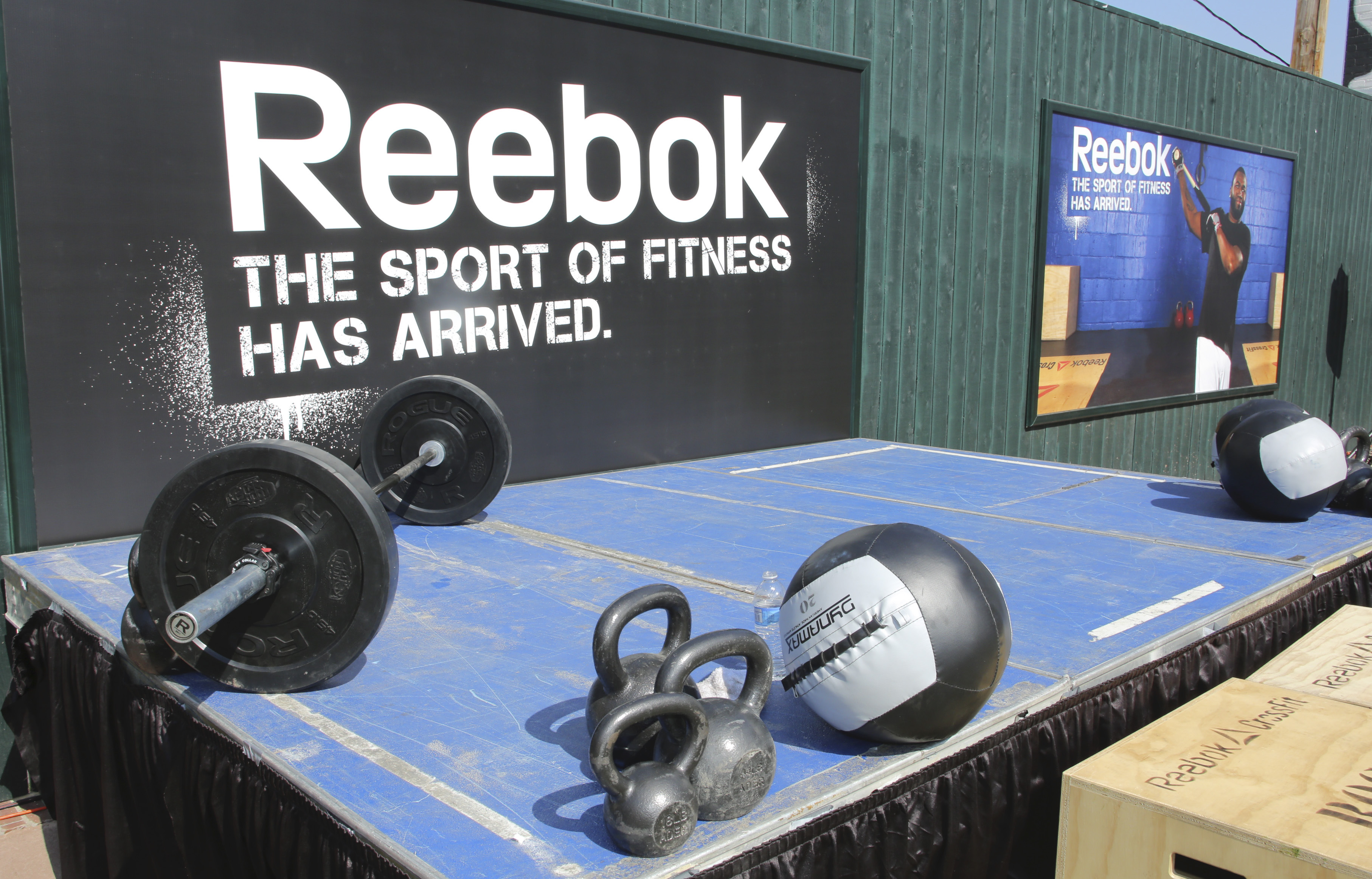 CrossFit CEO apologizes after Reebok