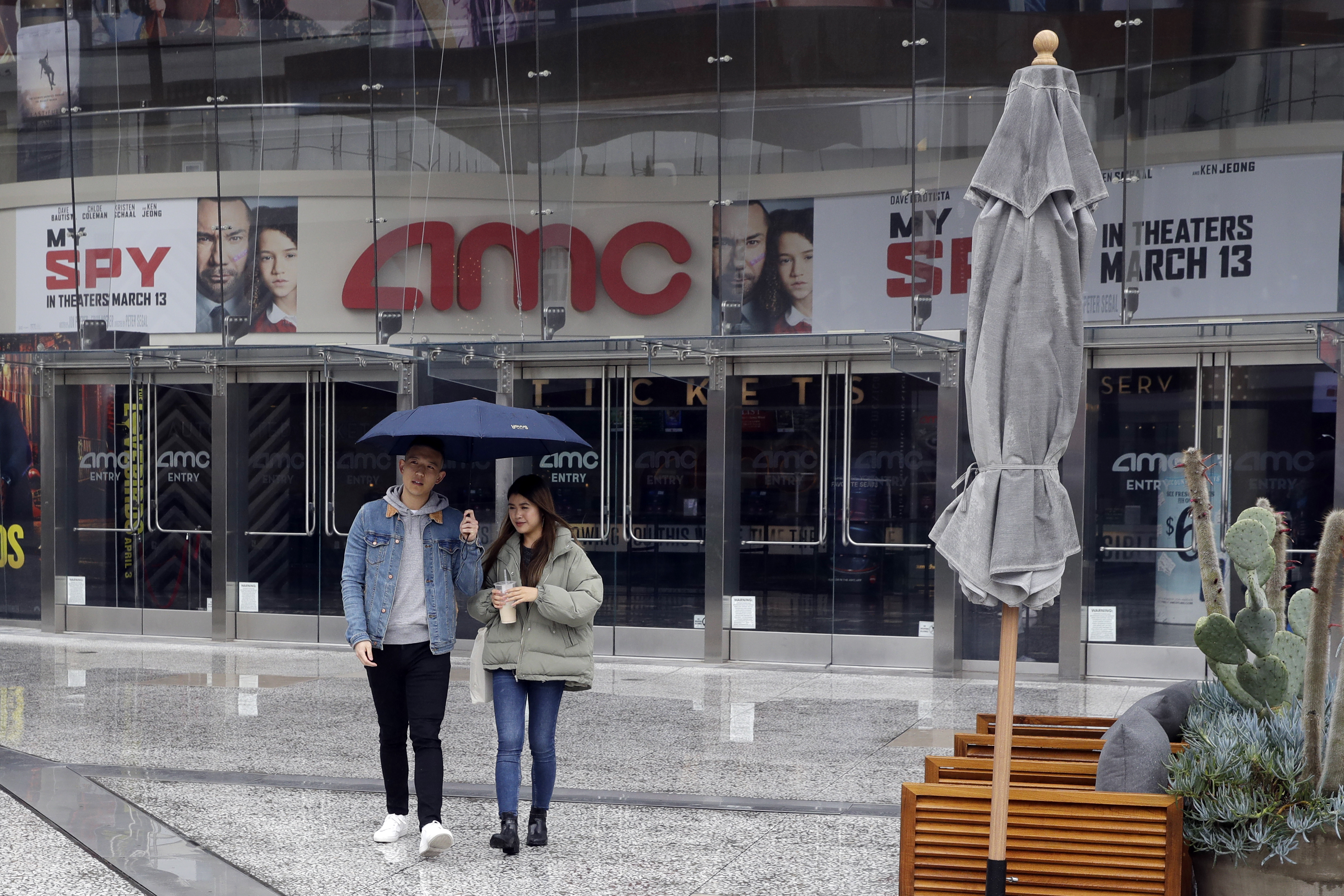 Amc Movie Theaters In Bankruptcy Danger Analysts Say Al Com