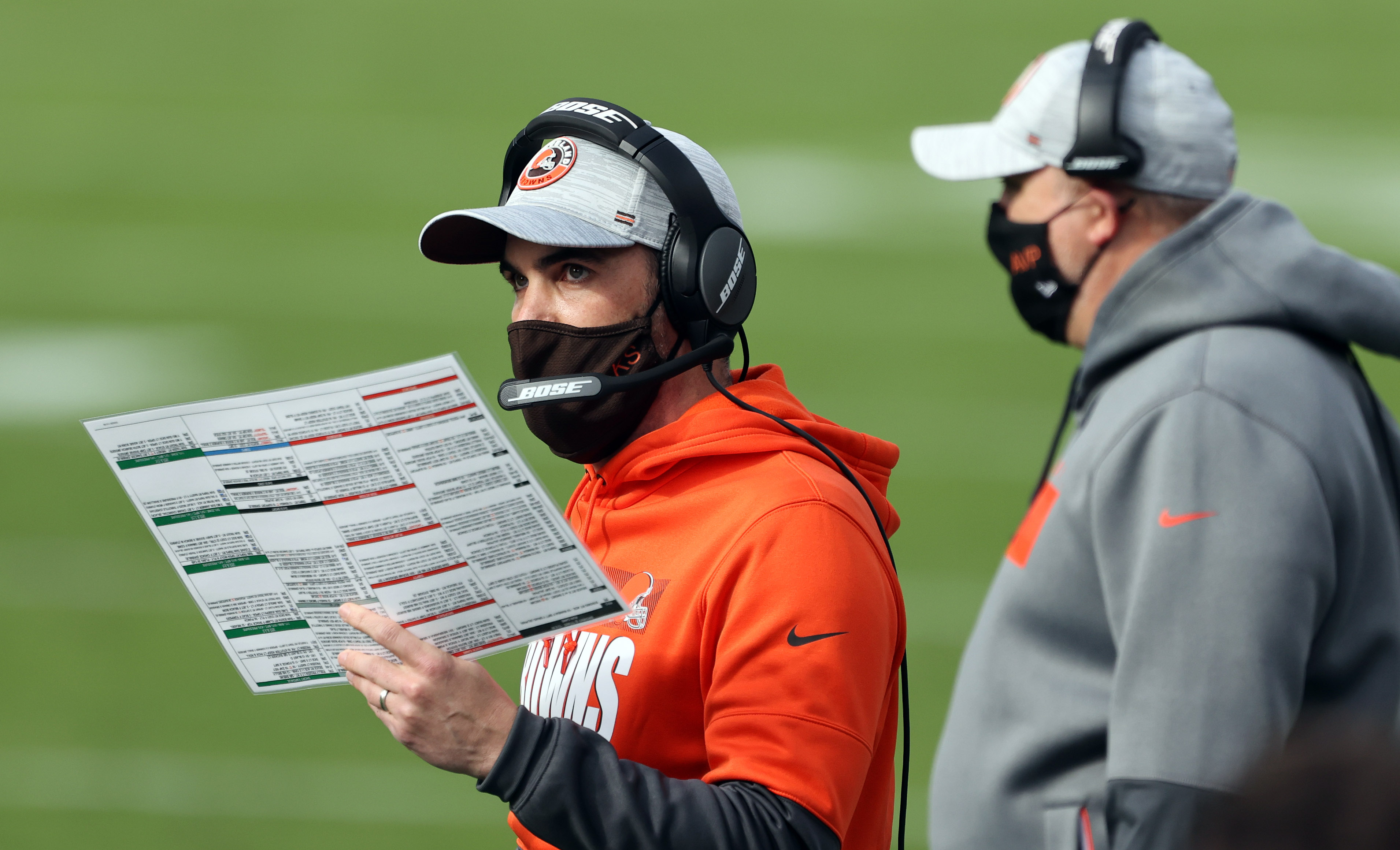 Browns' playoff and AFC North chances improve again after Steelers, Raiders  lose in Week 14 - cleveland.com