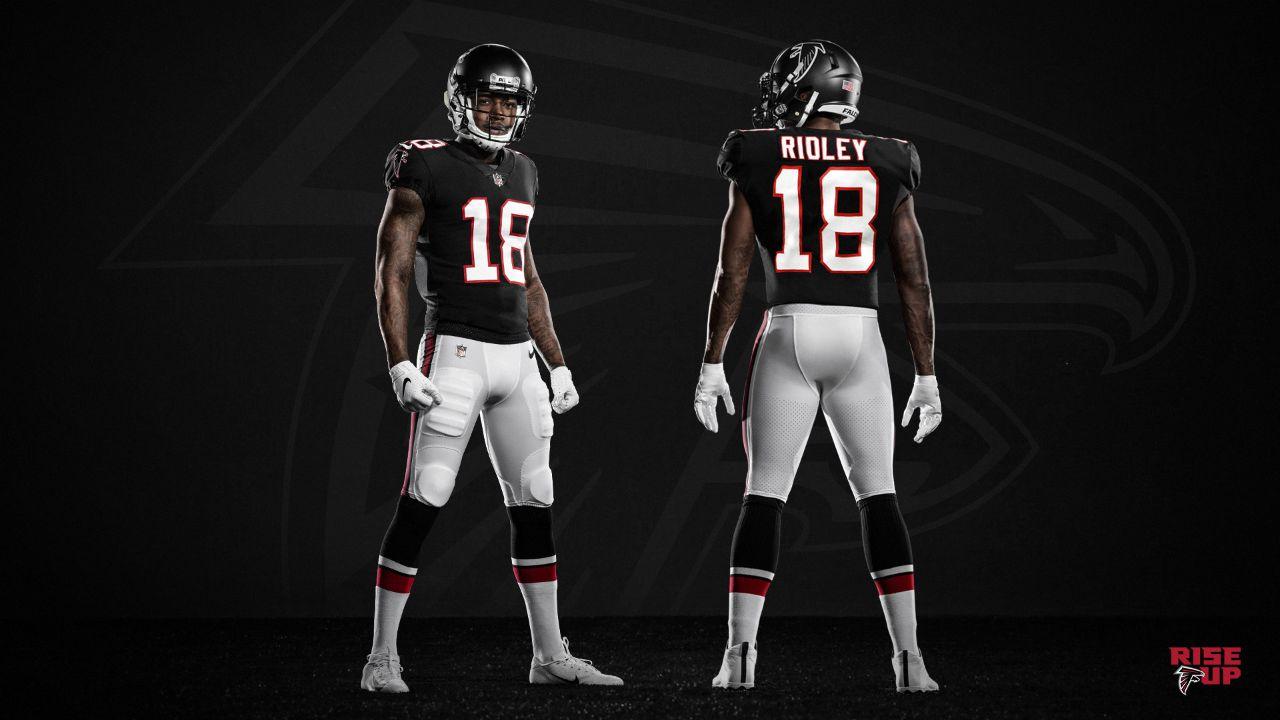 Calvin Ridley Helps Falcons Unveil 2020 Uniforms Al Com