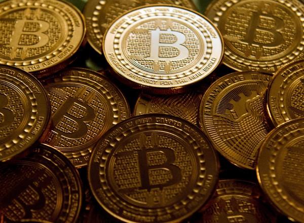 aston danny bitcoin commerciante)
