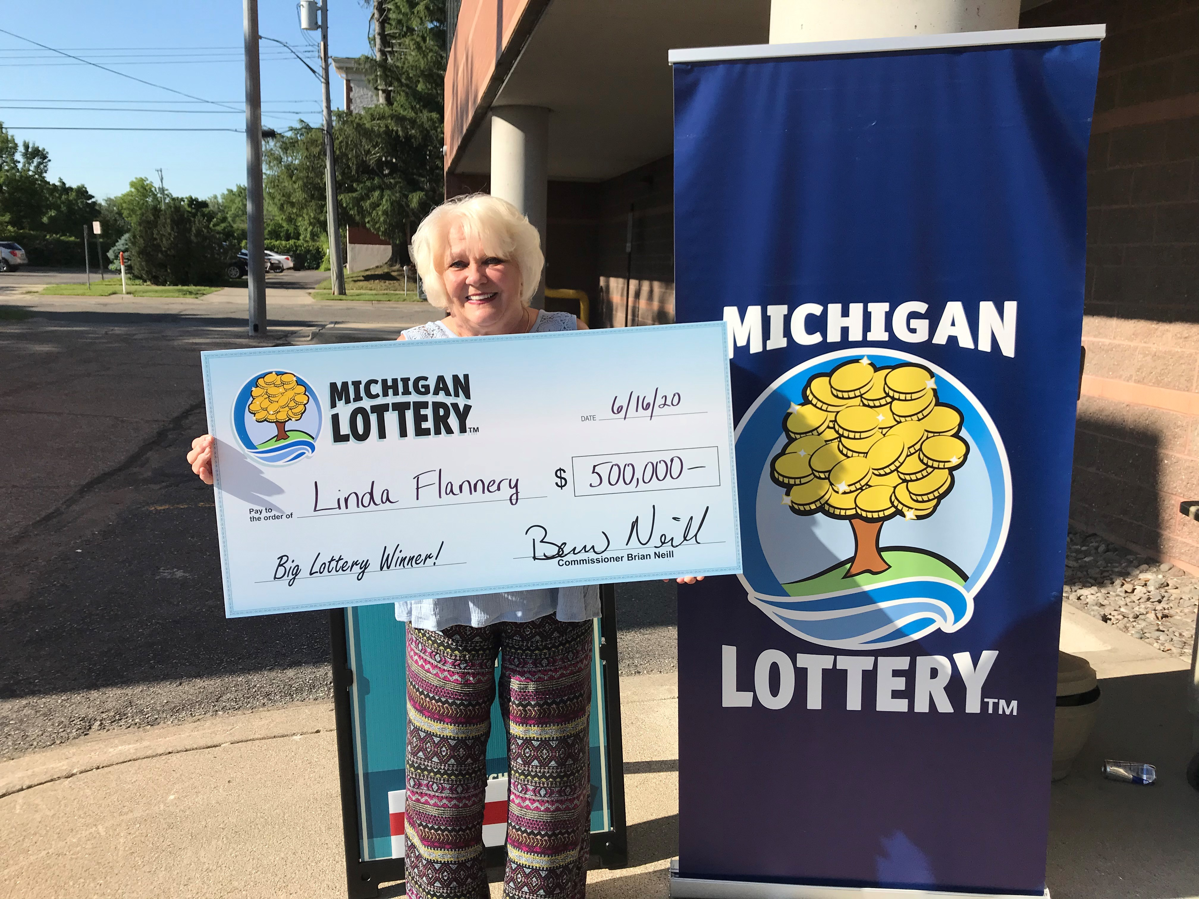 71 Year Old Jackson Woman Wins 500k Lottery Prize On 5 Ticket Mlive Com