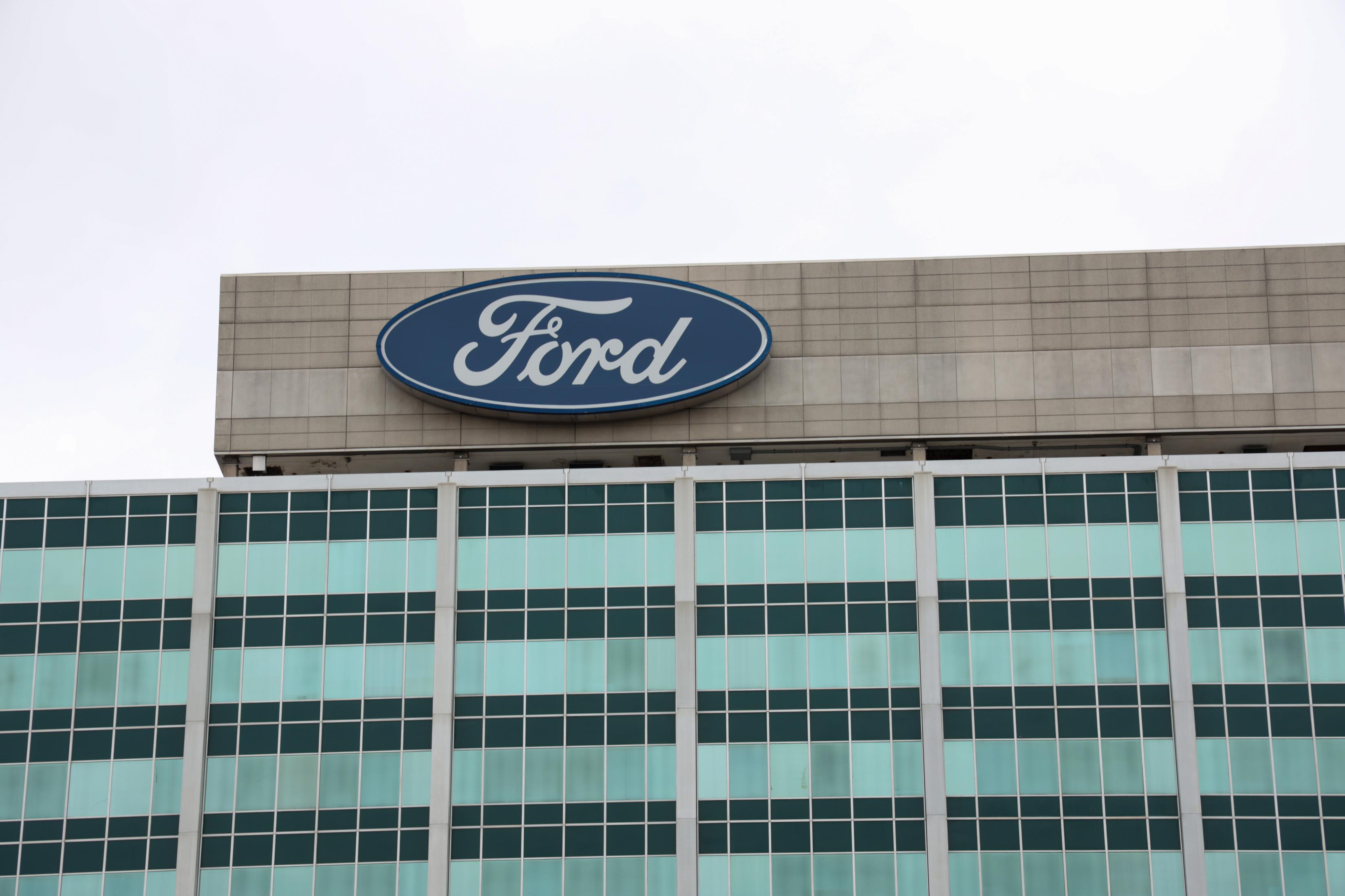 Over 375k Ford Explorer Models Recalled For Suspension Issues Mlive Com
