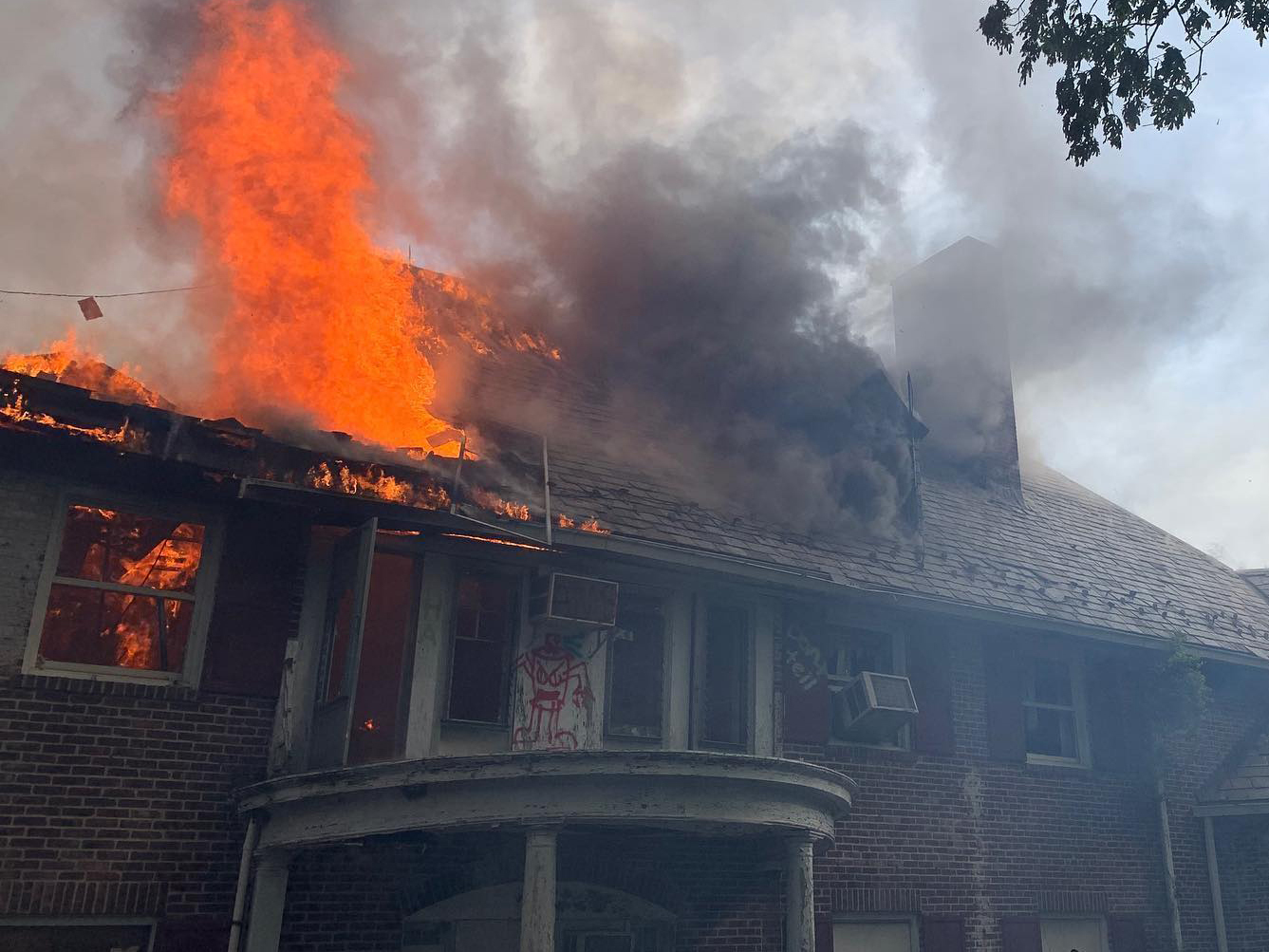 Fire Destroys Abandoned N J Mansion Once The Site Of State Run Psychiatric Hospital Nj Com