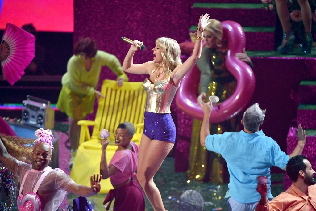 Taylor Swift Will Headline Free Atlanta Concert During Ncaa Men S Fina