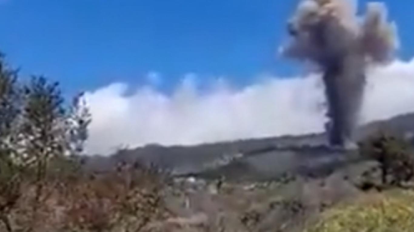 En plena erupción del volcán en La Palma, un hombre se hizo viral por tener mucho hambre