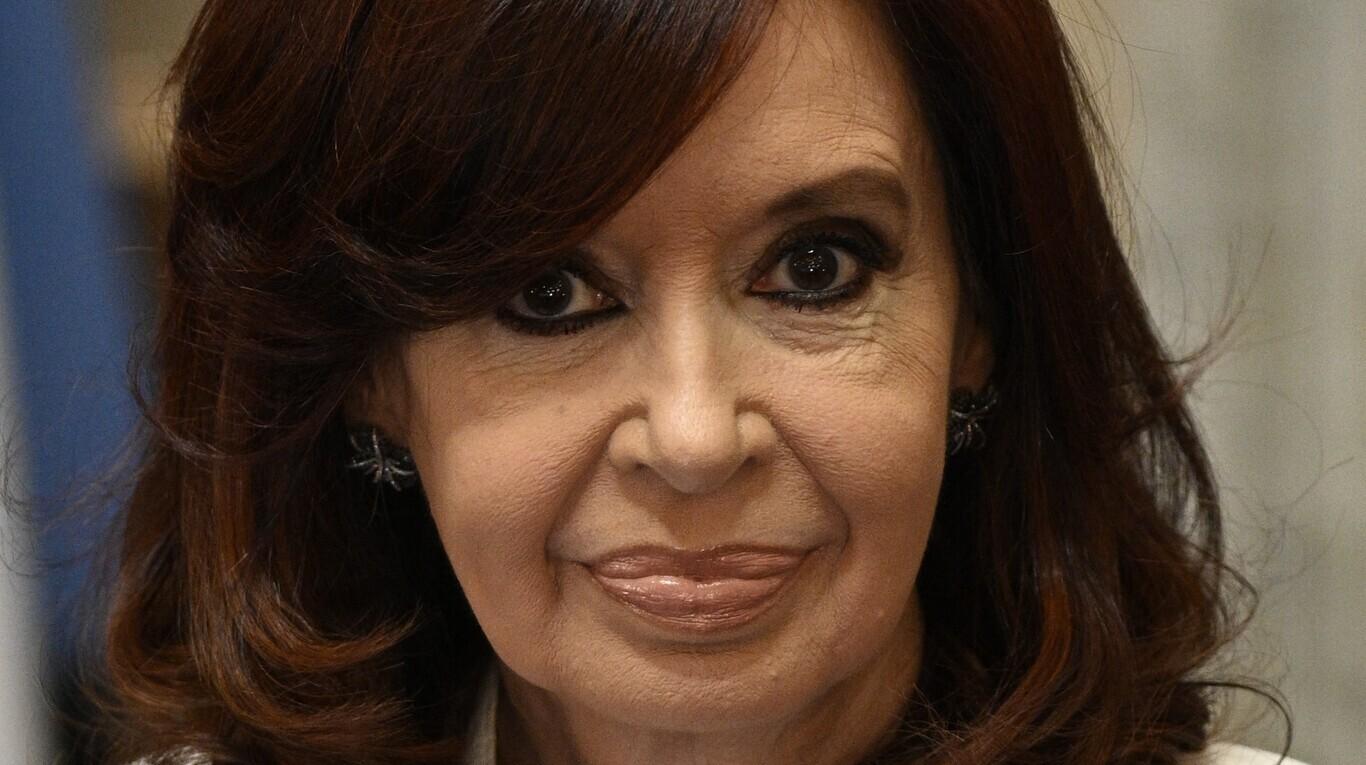 Tras la derrota electoral, a Cristina Kirchner se le complica el frente judicial: las causas que más preocupan a la vicepresidenta