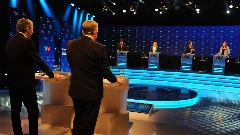 Todo lo que no se vio del Debate Capital en A Dos Voces: una noche tan caliente ante las cámaras como en las tribunas
