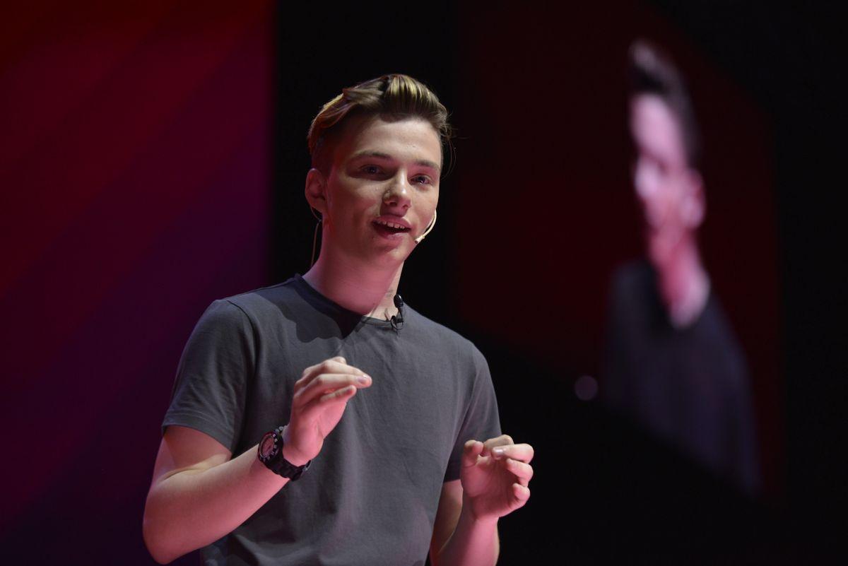 Semillero Tecno: Mateo Salvatto tiene 19 años y creó ¡Háblalo!, una app para discapacitados que usan en 45 países
