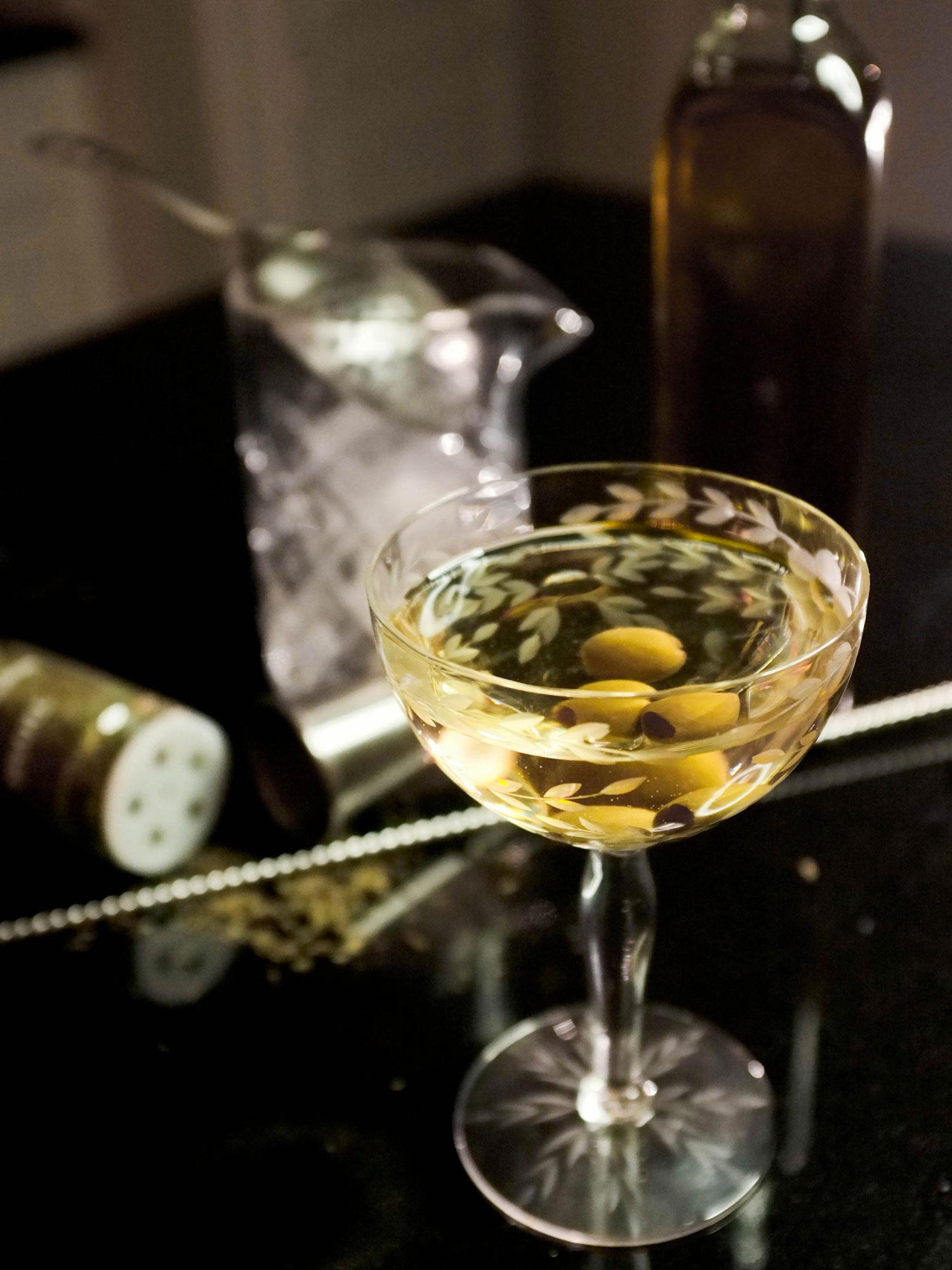 Cocktails & Bubbles - cover