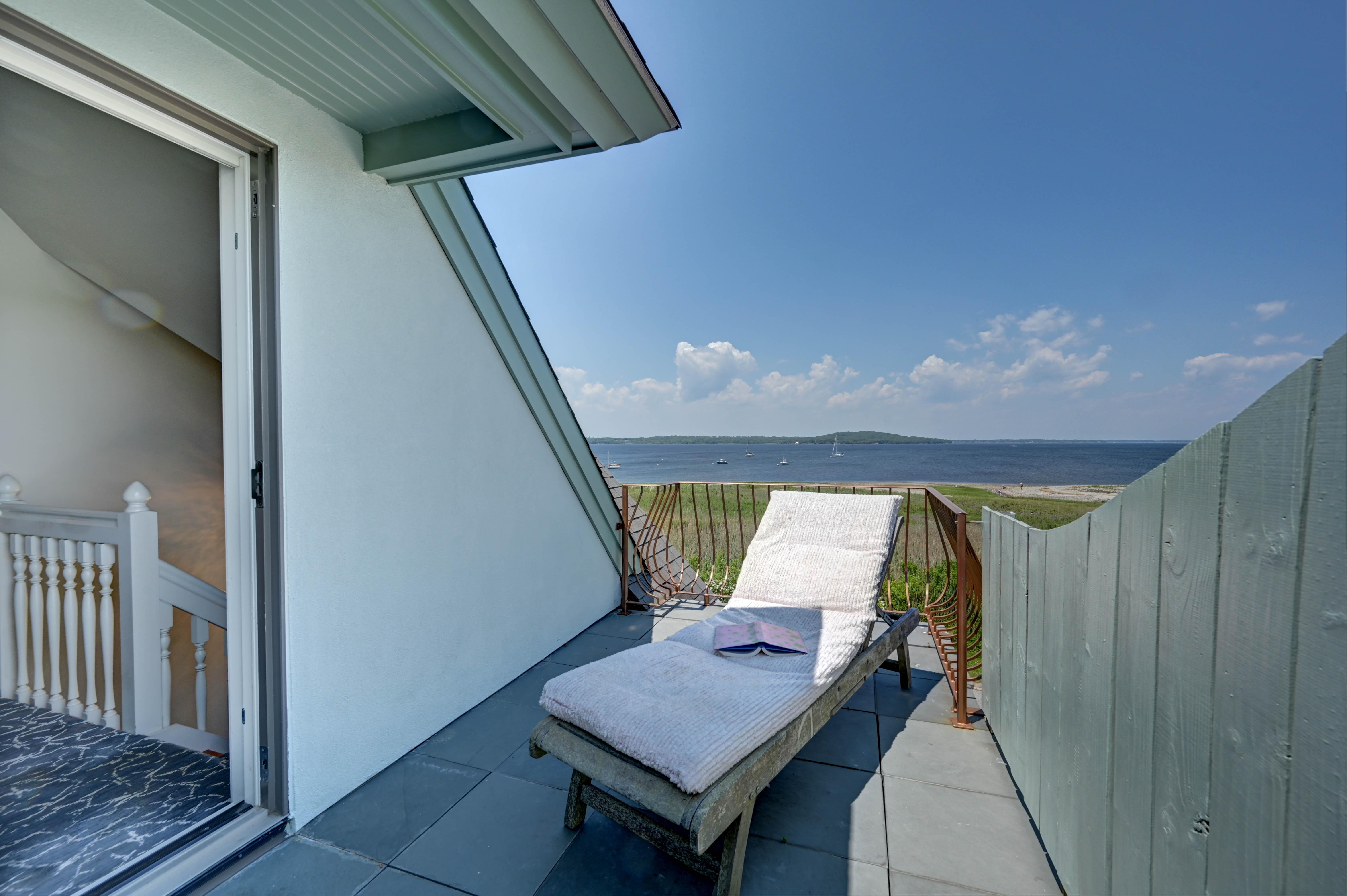 130-common-fence-portsmouth-ri-suite-deck