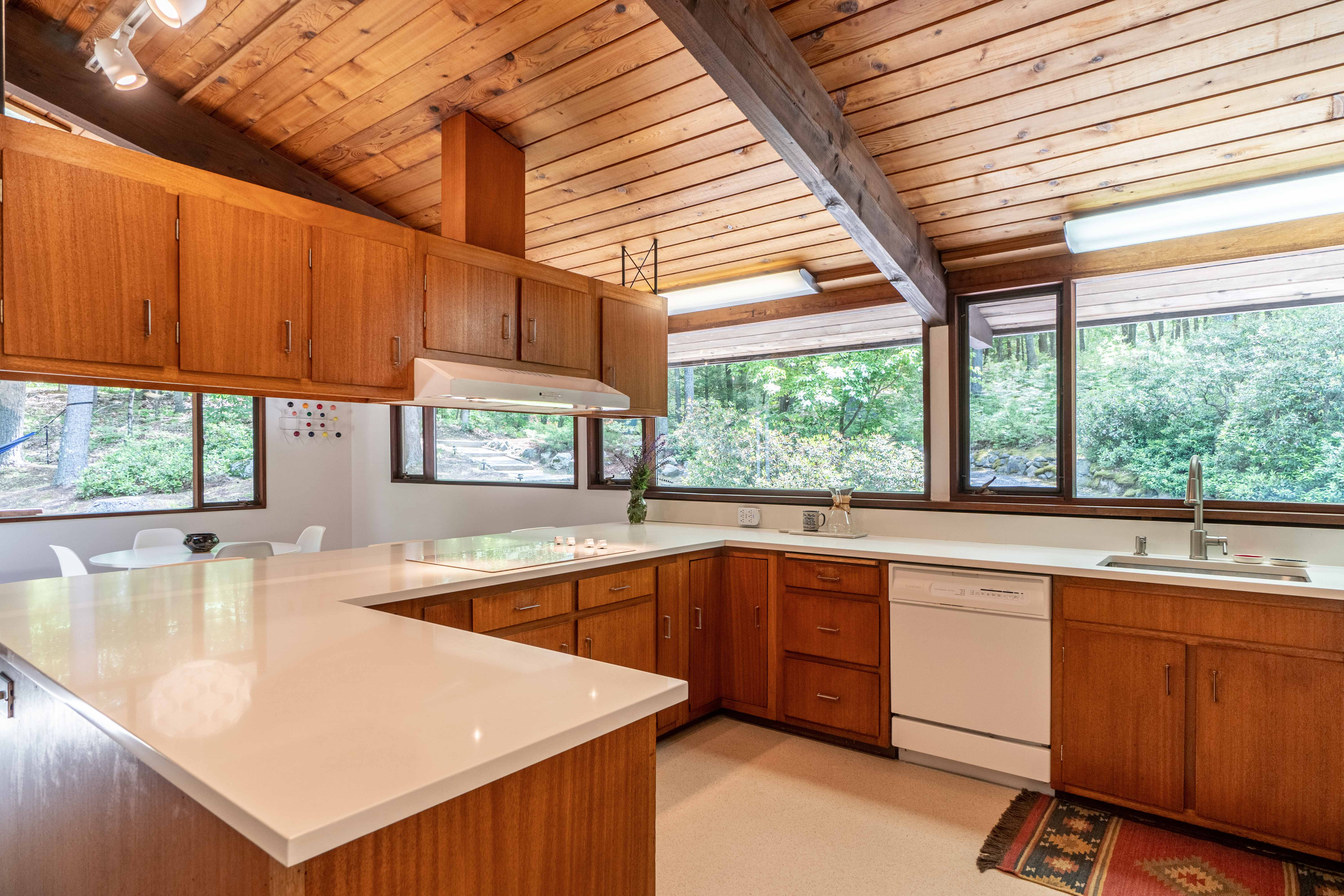 17-stonehedge-road-lincoln-kitchen