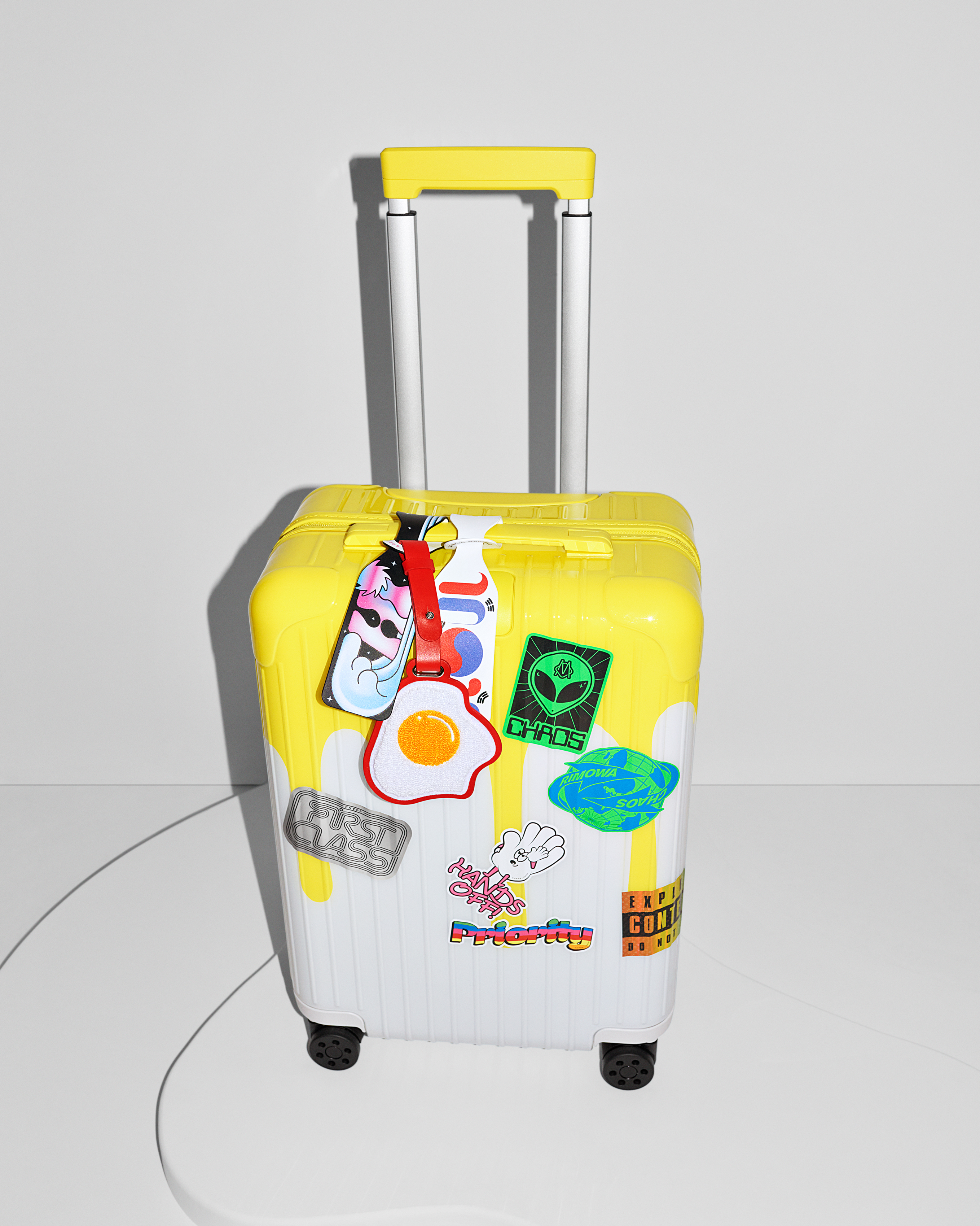La société allemande de bagages RIMOWA annonce deux ajouts à sa marque emblématique.