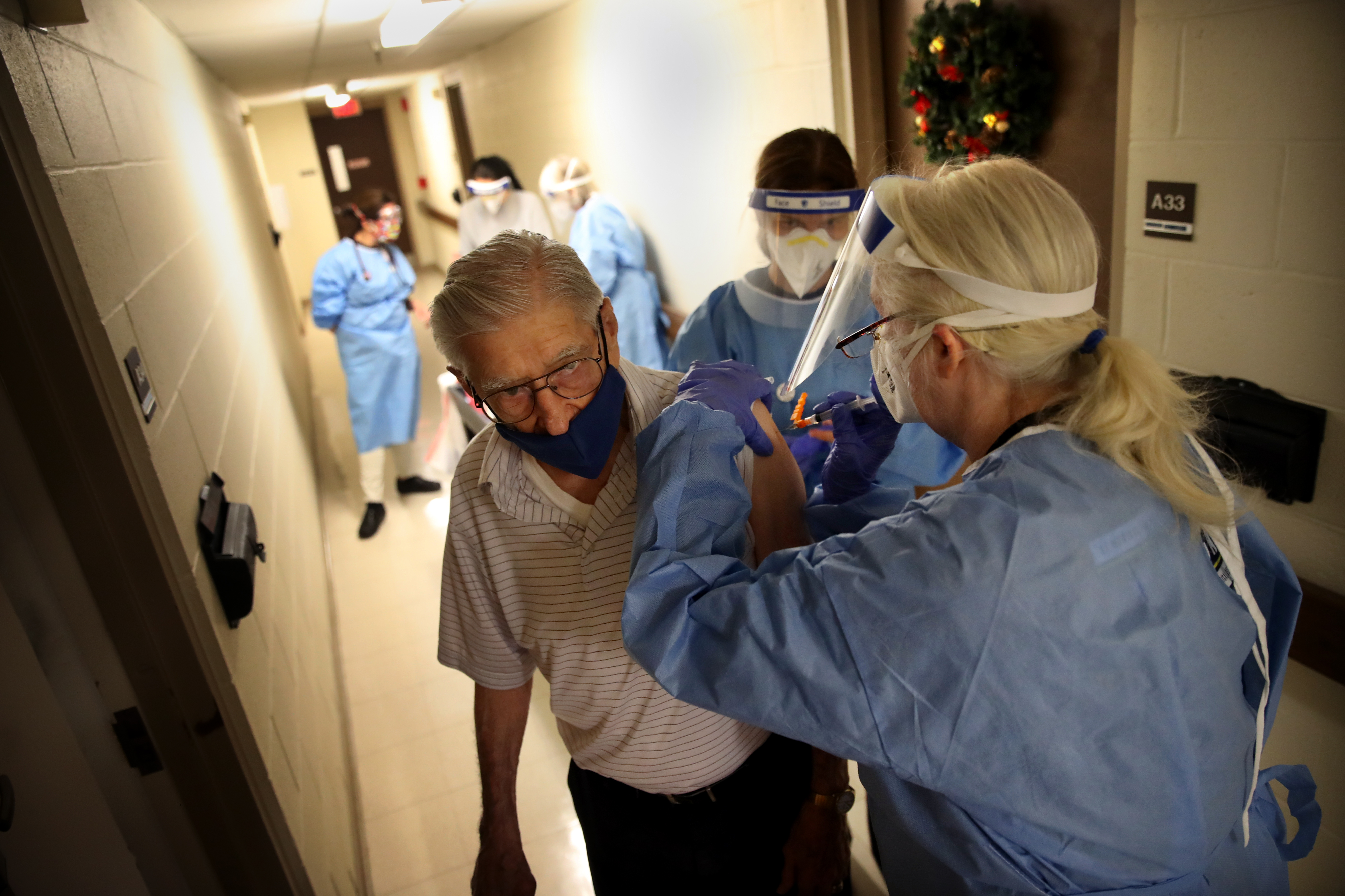 In Rhode Island Nursing Homes A Staffing Crisis Made Worse By Covid 19 The Boston Globe