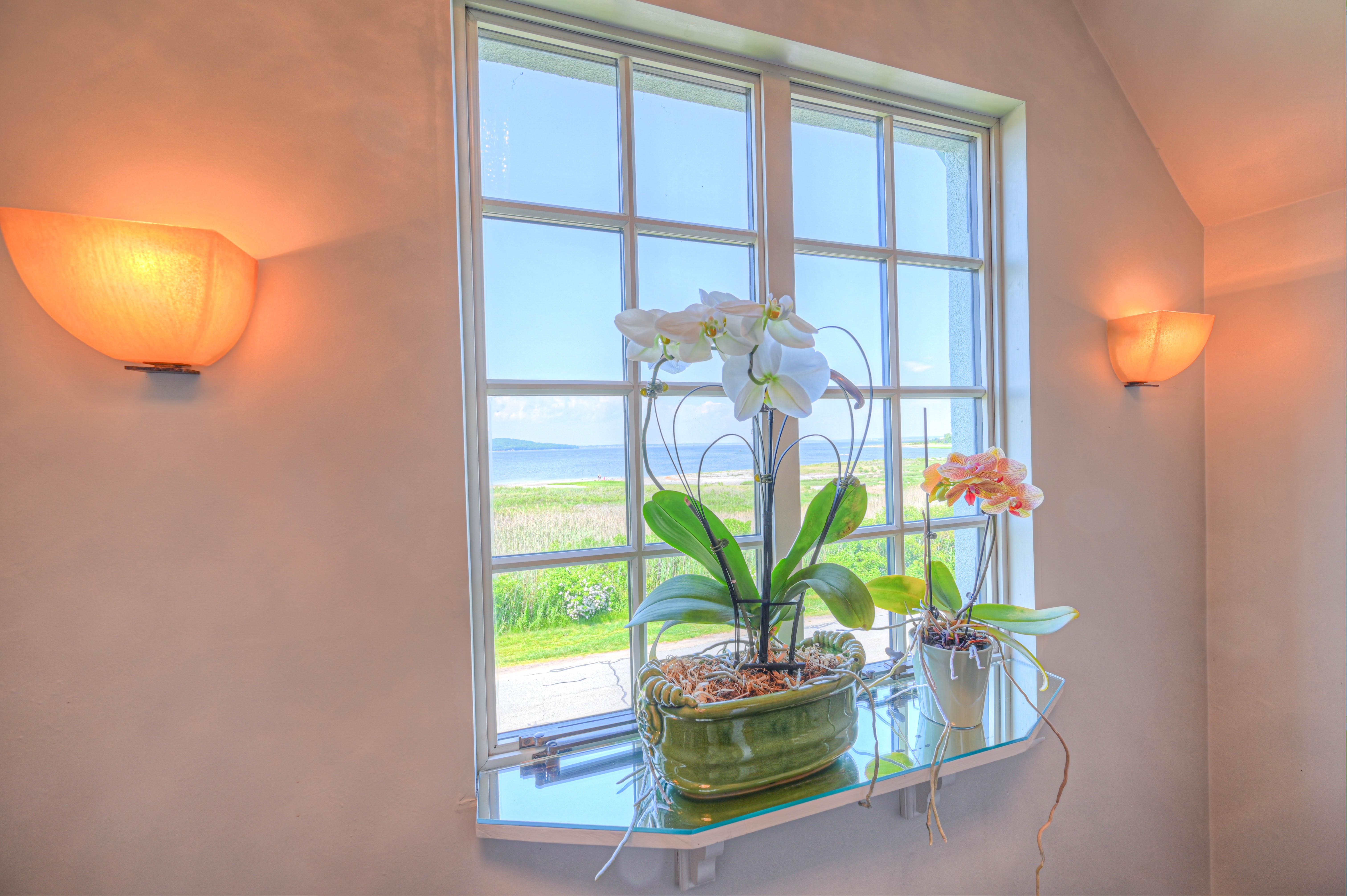130-common-fence-portsmouth-ri-window