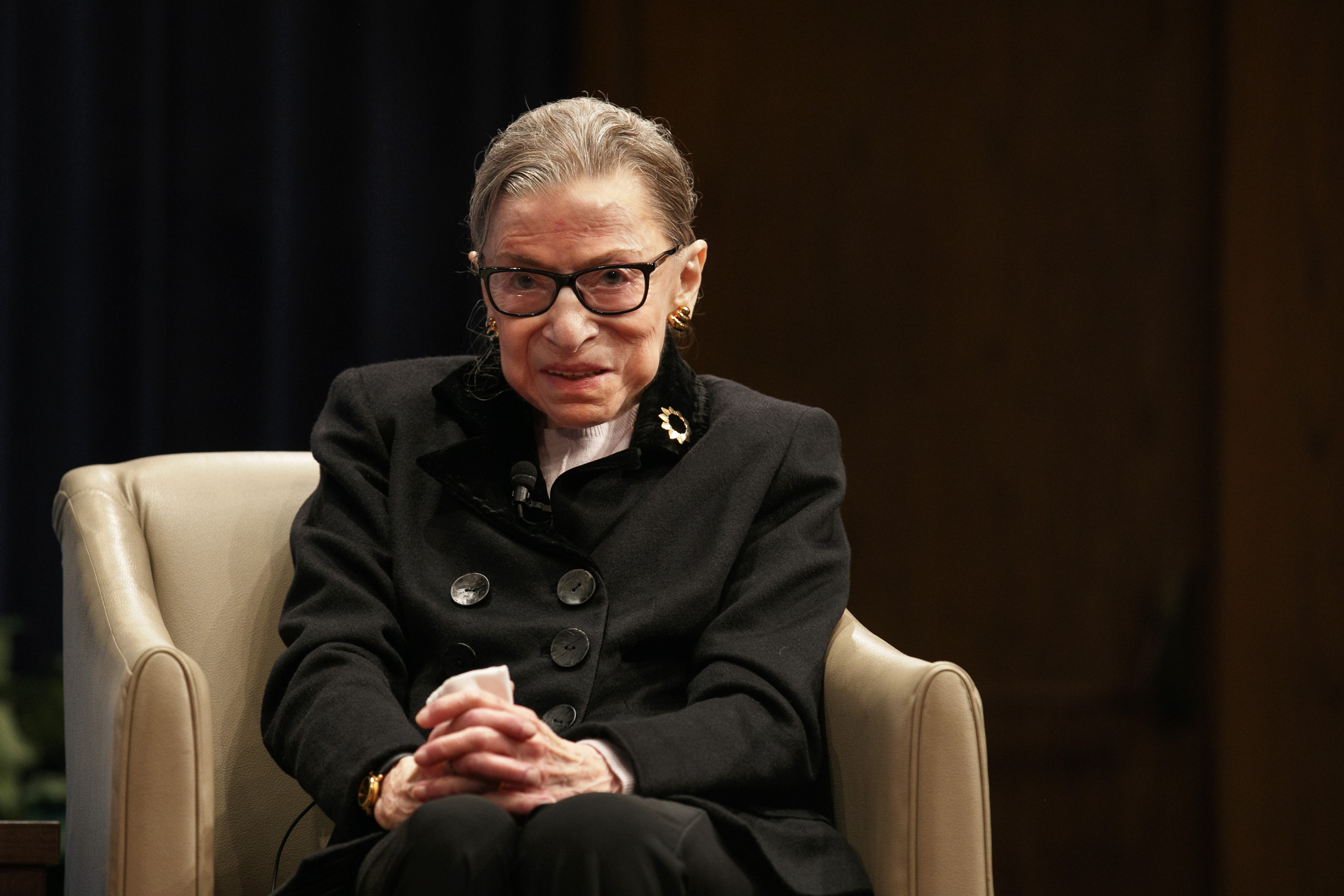 Presiding Justice Ruth Bader Ginsburg Officiates Family Friend S Wedding The Boston Globe