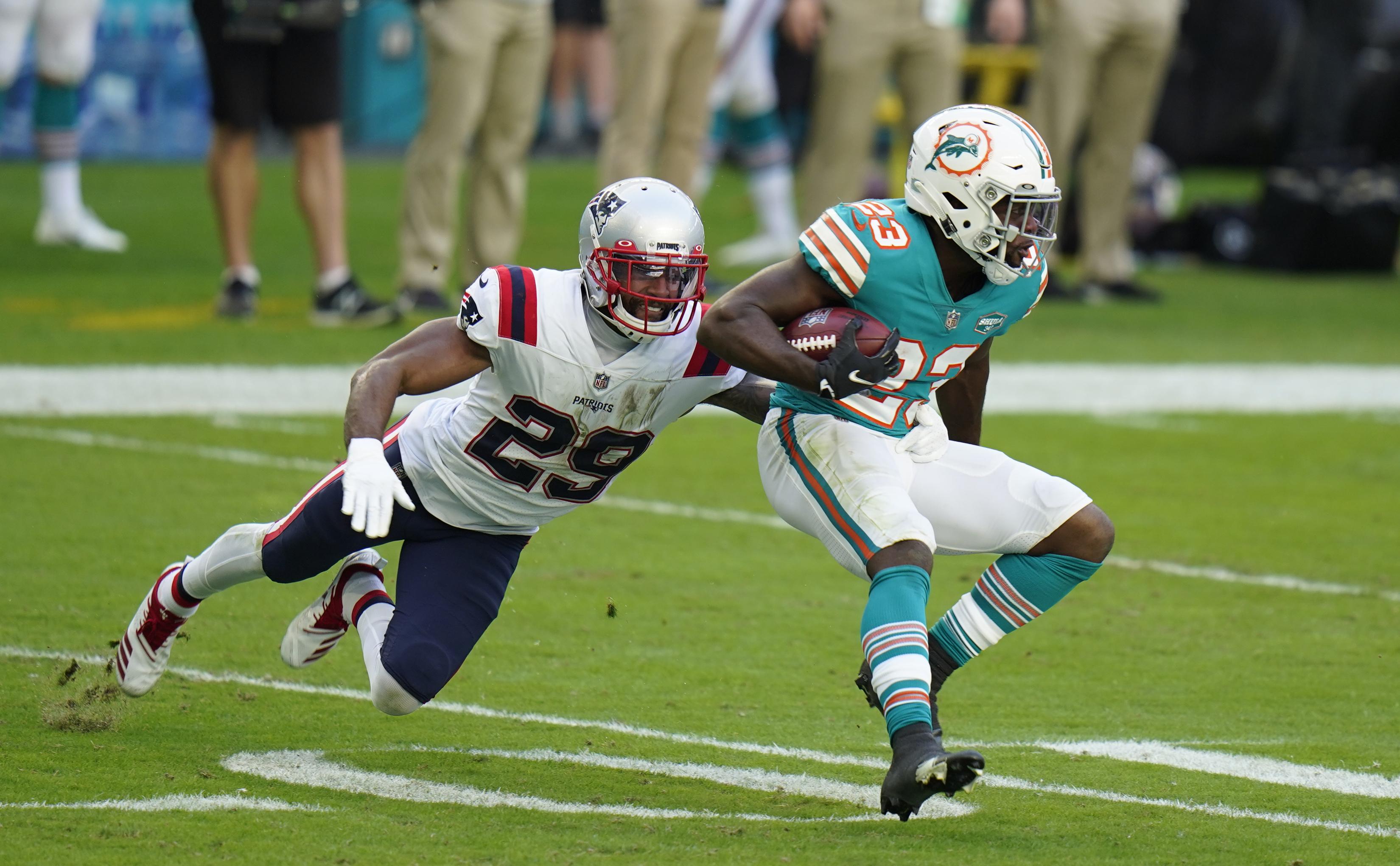 Justin Bethel drummed up 14 tackles for the Patriots last season.