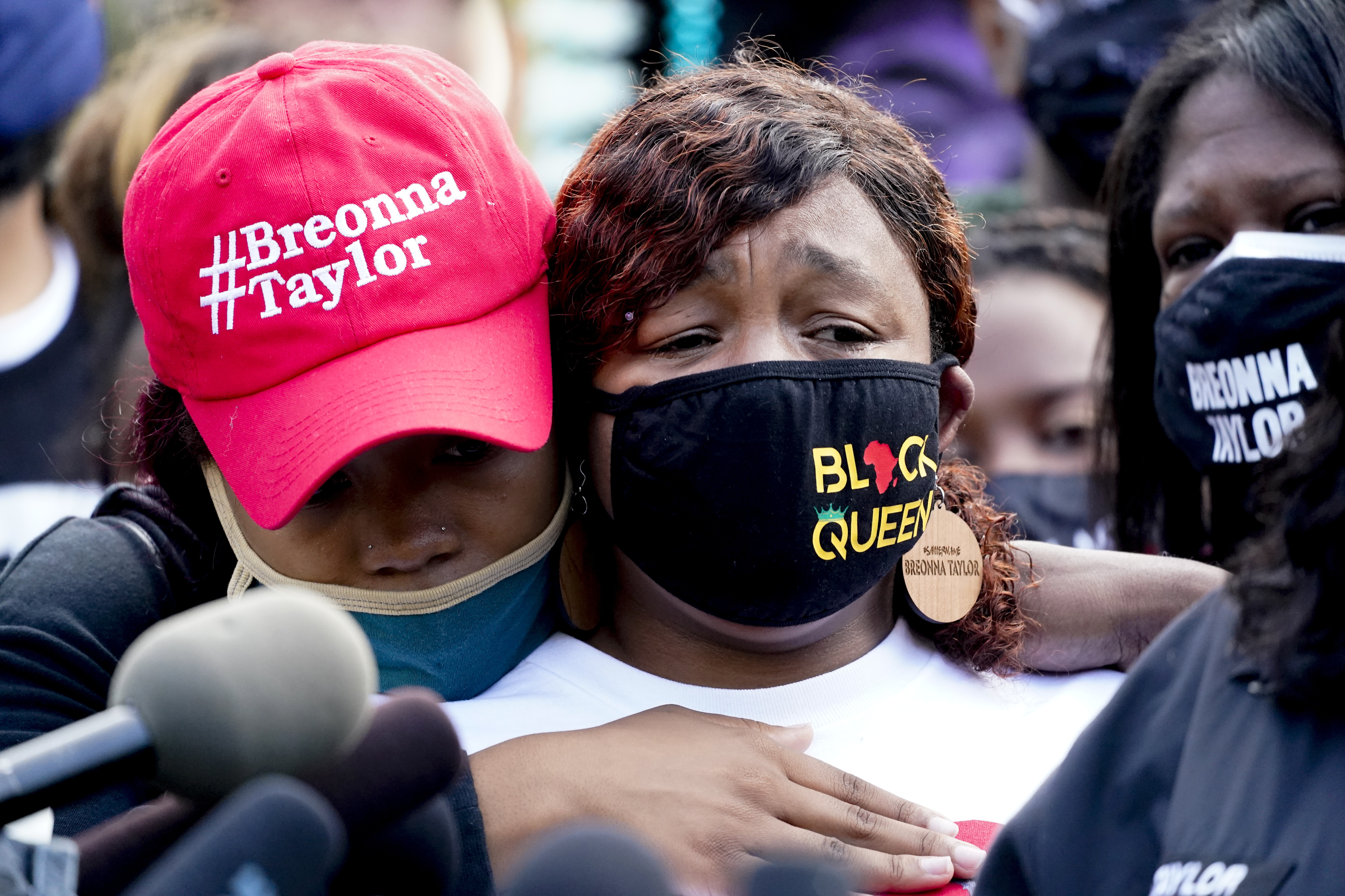 Family Demands Release Of Evidence In Breonna Taylor S Case The Boston Globe