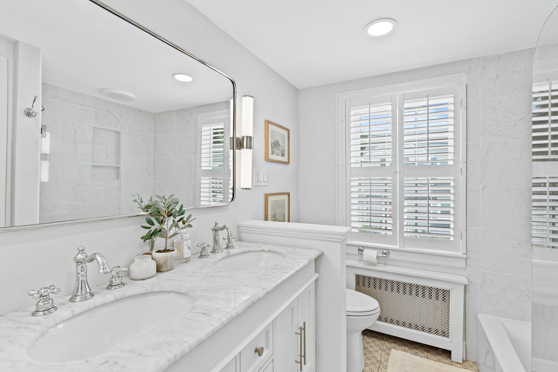 10-barna-road-boston-salle-de-bain-complète