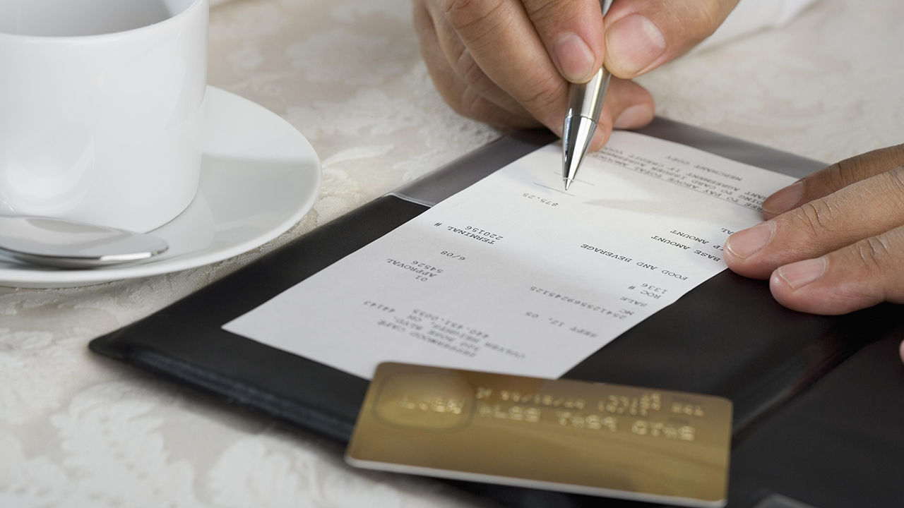Anonymous customer leaves restaurant a tip for $16K