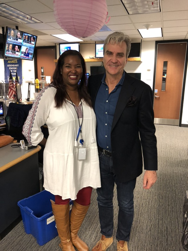 A Beautiful Day In Our Neighborhood Cobb Journalist Inspires New Mr Rogers Movie 95 5 Wsb