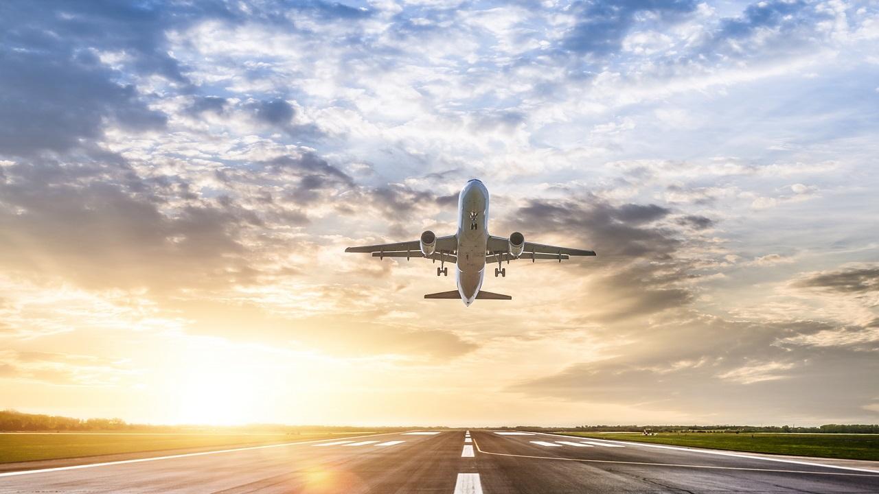 Florida woman accused of exposing herself on plane at South Dakota airport