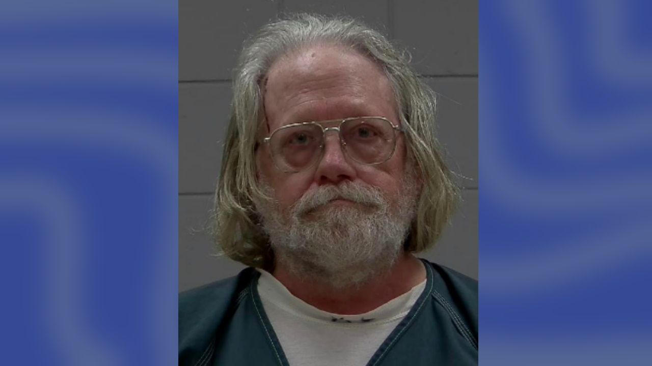 Minnesota man accused of trapping police officer's arm in truck window and speeding away