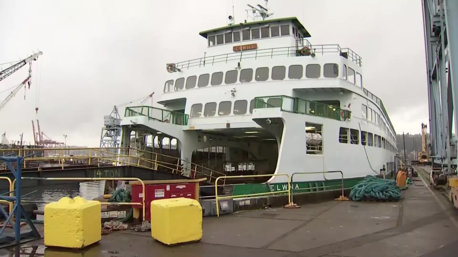Scuba divers rescued by ferry crews near Edmonds terminal