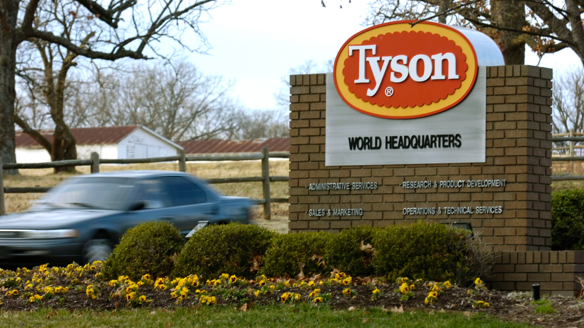 Coronavirus: Tyson Foods to require vaccinations for all US workers