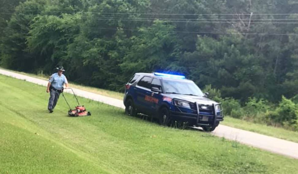 GSP trooper mows Georgia man's yard after he suffered a fall