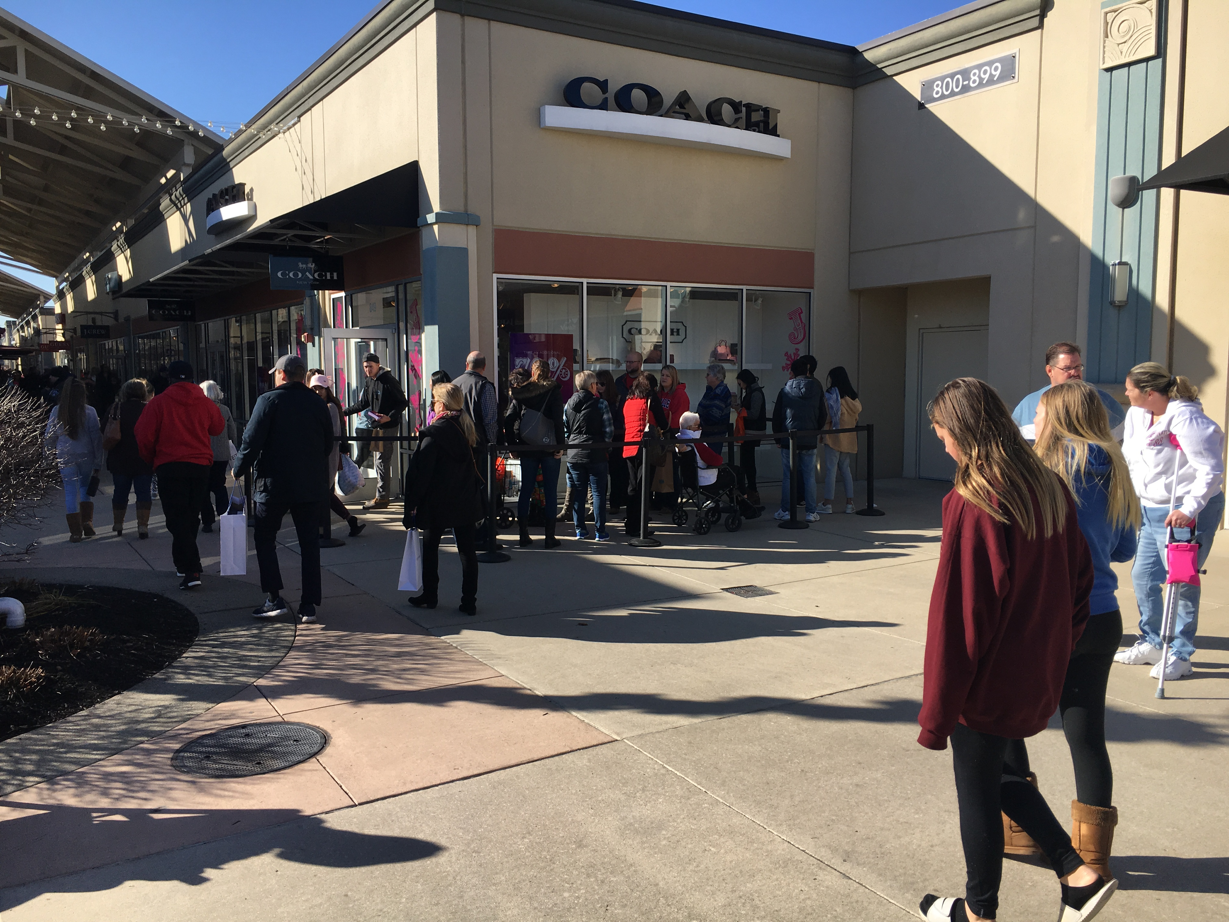 outlet shops with discounted holiday gifts