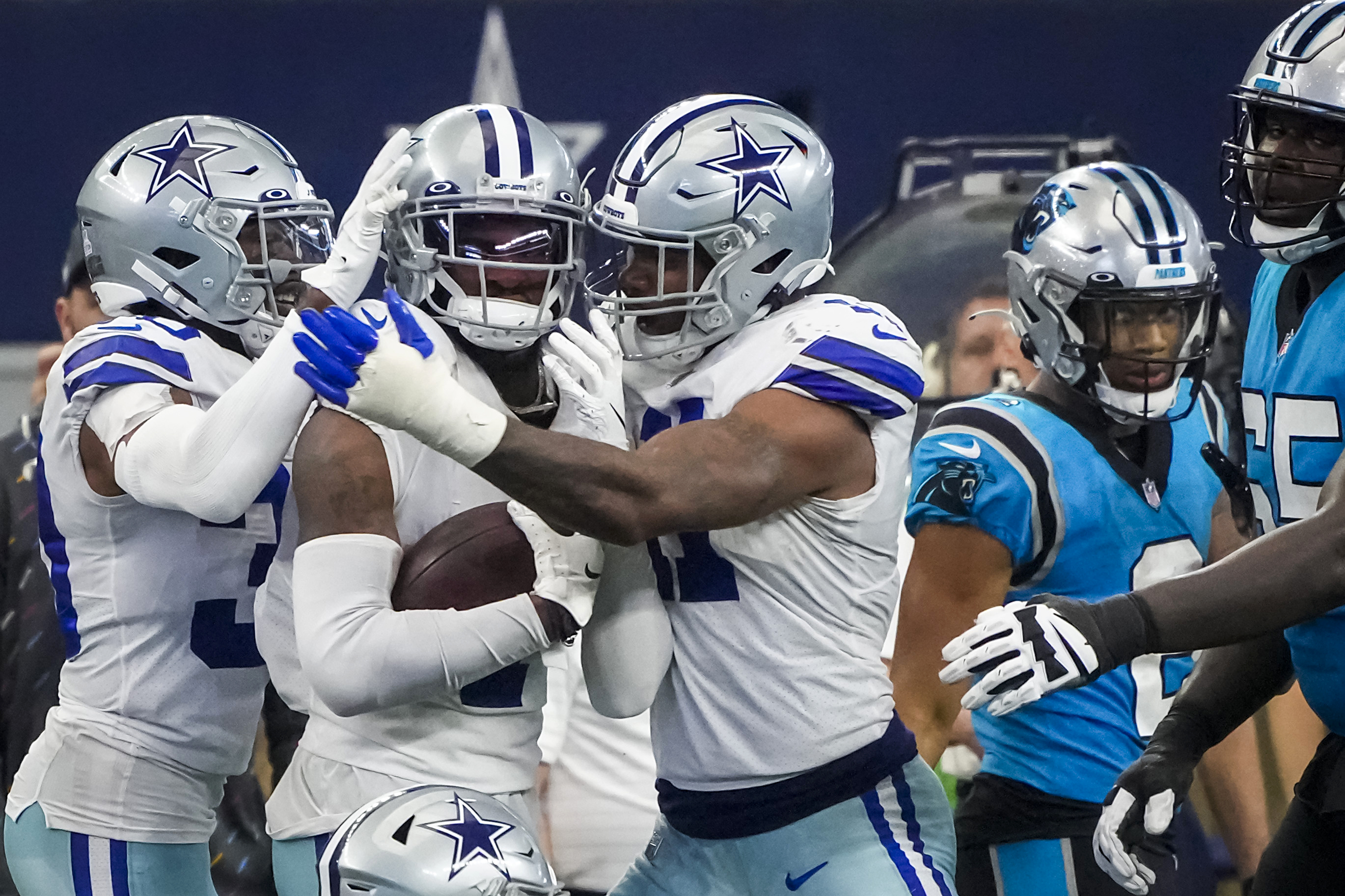 Cowboys sideline report: When did Dallas CB Trevon Diggs receive treatment vs. Panthers?
