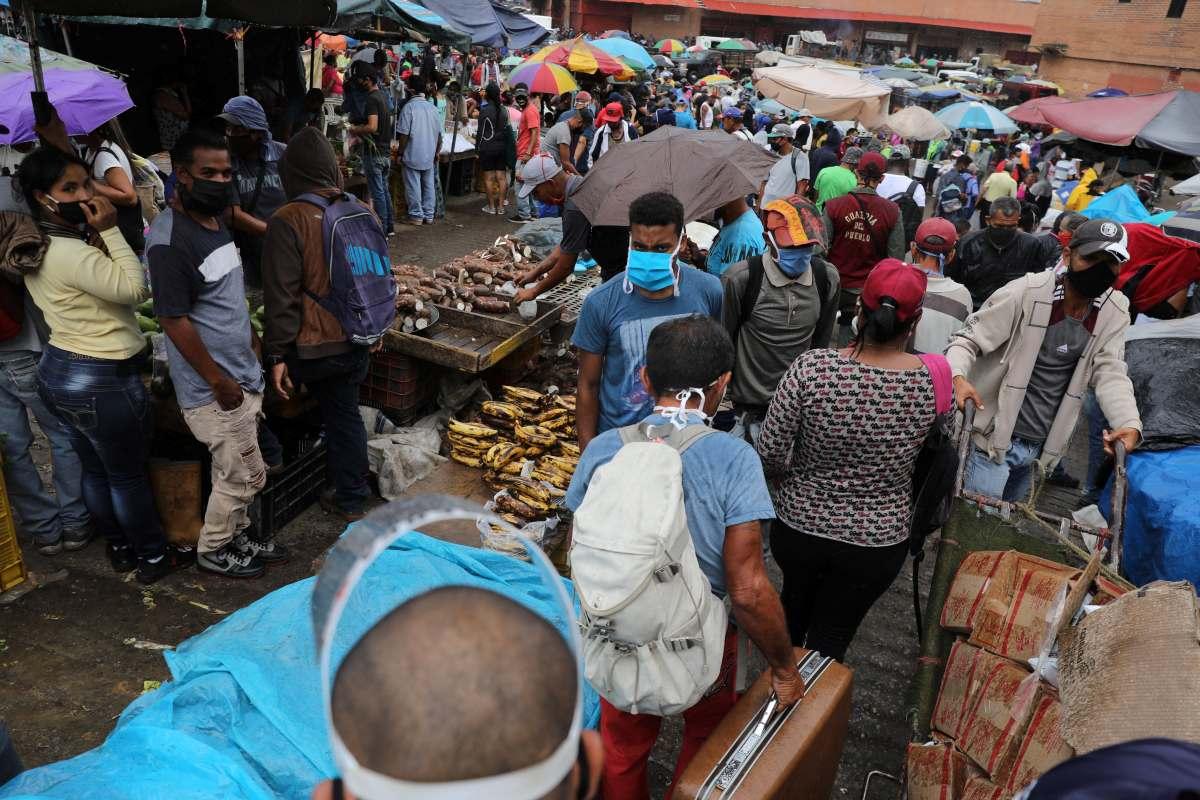 Coronavirus | Venezuela | Mercado mayorista estatal de Coche: ¿Sobrevivir o  evitar el COVID-19? Miles afrontan riesgos en el gran establecimiento de  Caracas | FOTOS NNDC | MUNDO | GESTIÓN