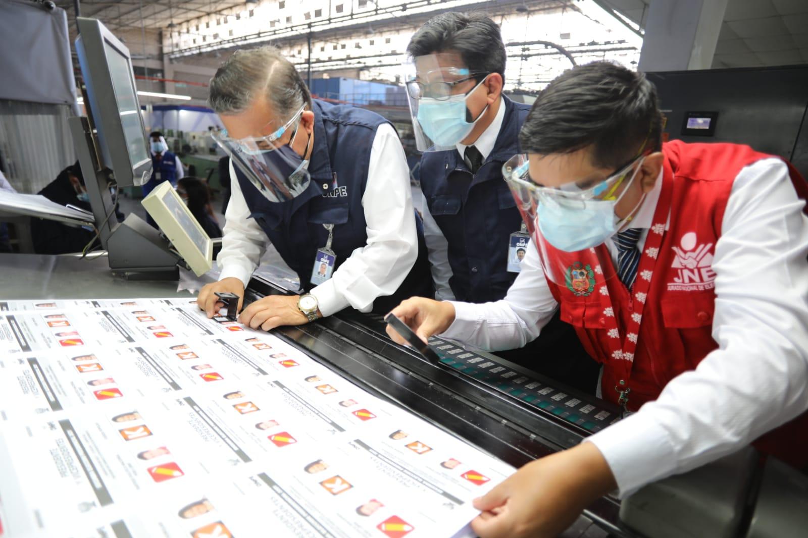 ONPE inició impresión de las cédulas de sufragio para segunda vuelta electoral del próximo 6 de junio