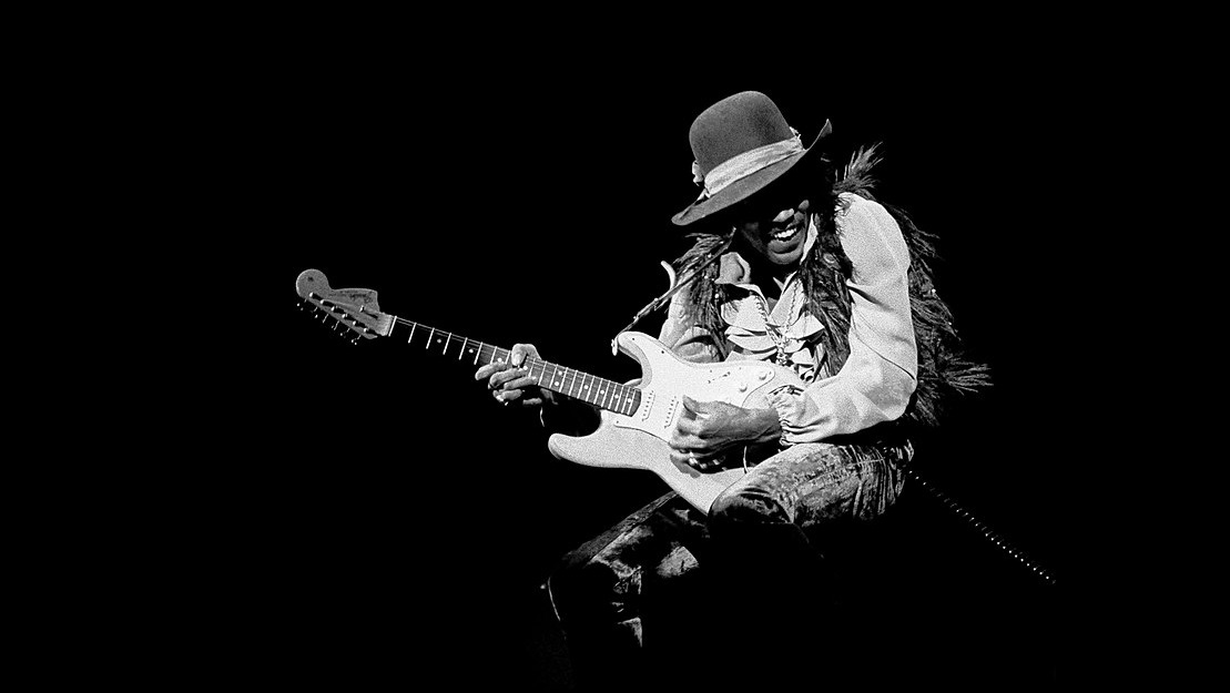 Diez fotos míticas de Jimi Hendrix, el rockstar que partió a los 27 años