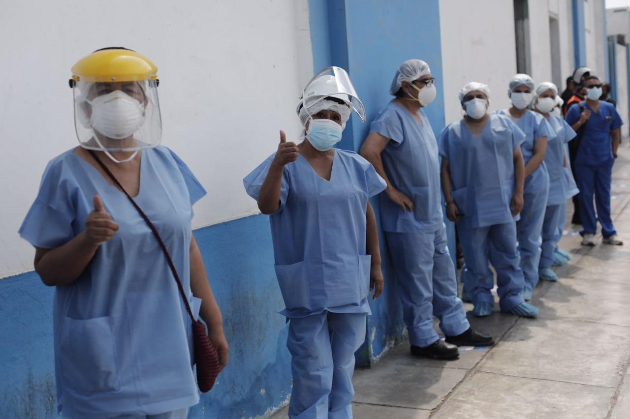 COVID-19: inician jornada de vacunación al personal de salud del Callao   FOTOS