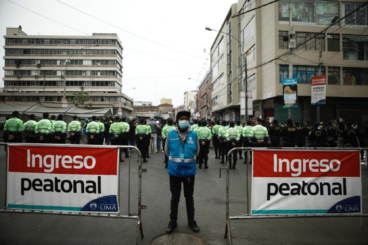 Navidad 2020: resguardo policial, patrullaje aéreo y cierre de accesos en Mesa Redonda y Mercado Central | FOTOS