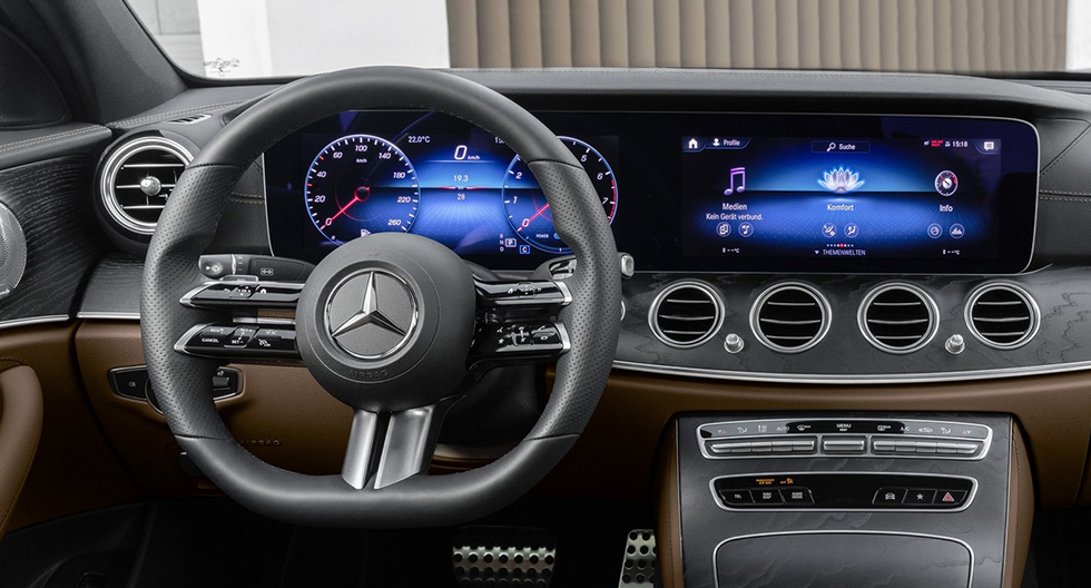 Mercedes-Benz anuncia un nuevo tipo de volante para su Clase E | FOTOS