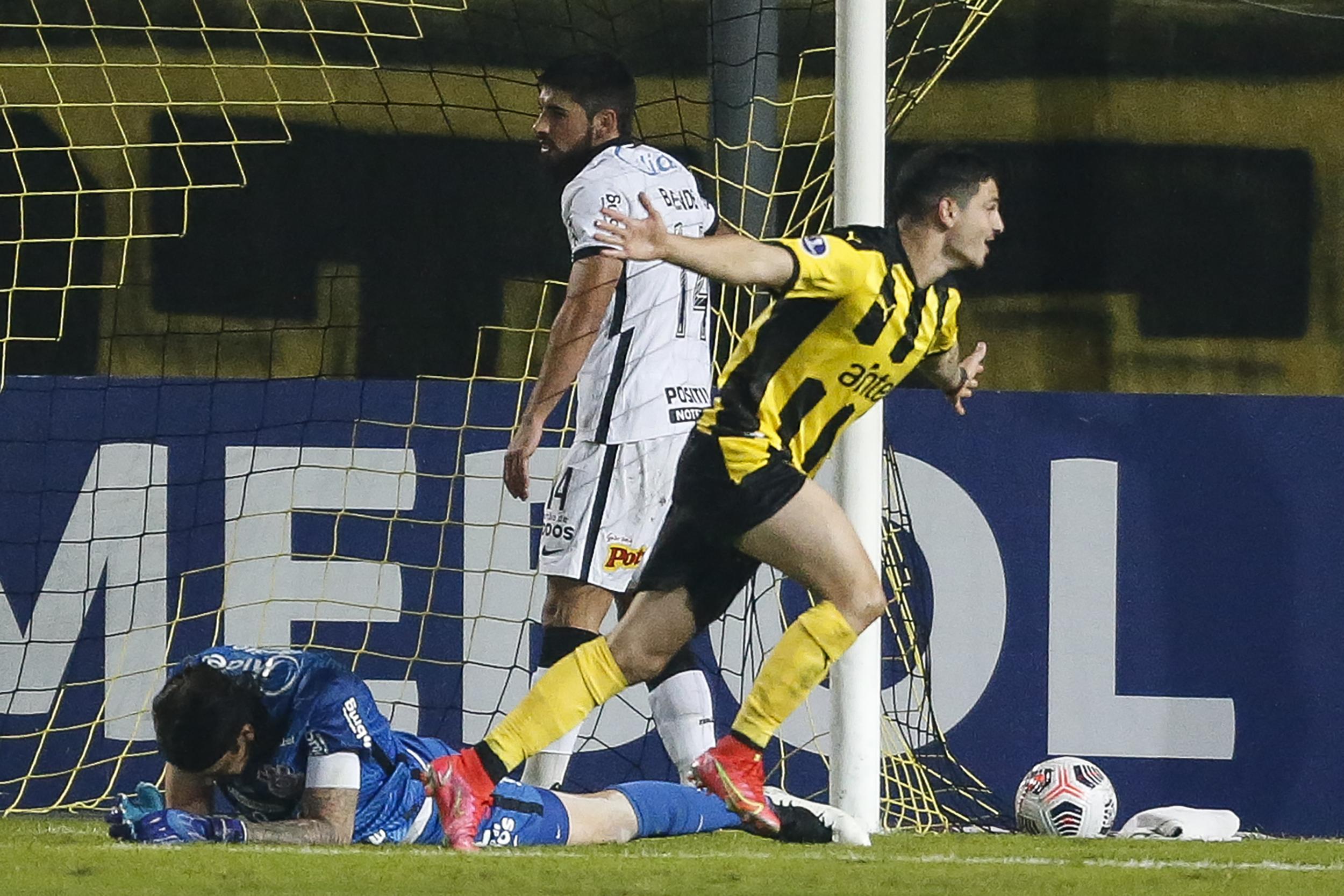 Eliminó al 'Timao': Peñarol goleó 4-0 a Corinthians por la Copa Sudamericana