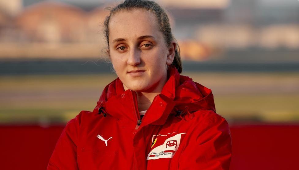 Maya Weug, primera promesa femenina en academia de pilotos de Ferrari
