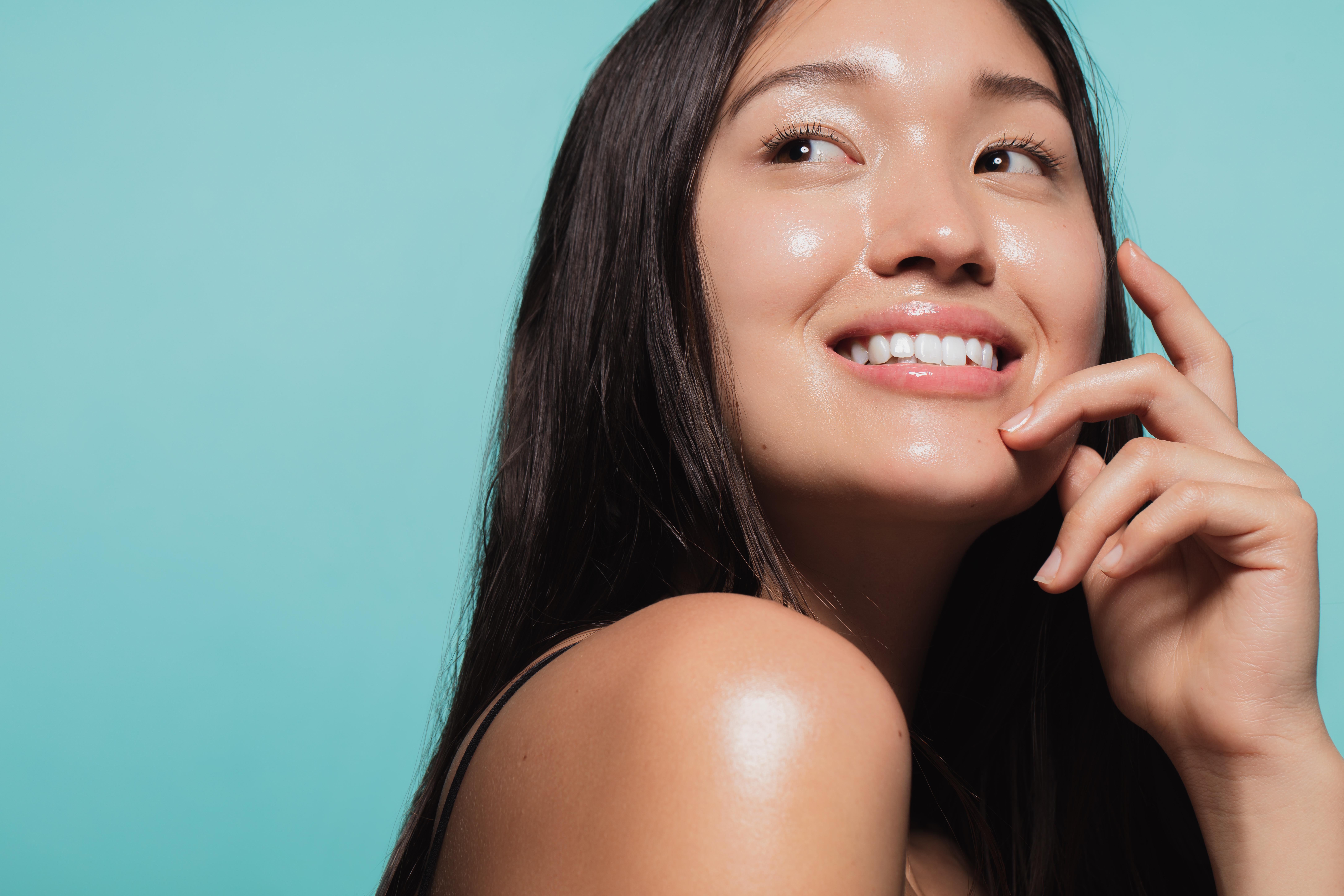 Poros abiertos: descubre cómo tratarlos y cuidar la piel de tu rostro