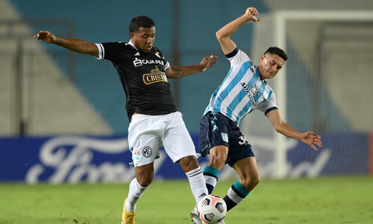 Sporting Cristal, con un jugador más, perdió en su visita a Racing Club por la Copa Libertadores 2021