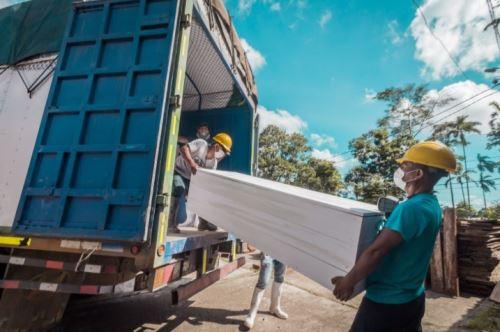 Ucayali: ataúdes fabricados con madera decomisada fueron entregados a Diresa para fallecidos por COVID-19